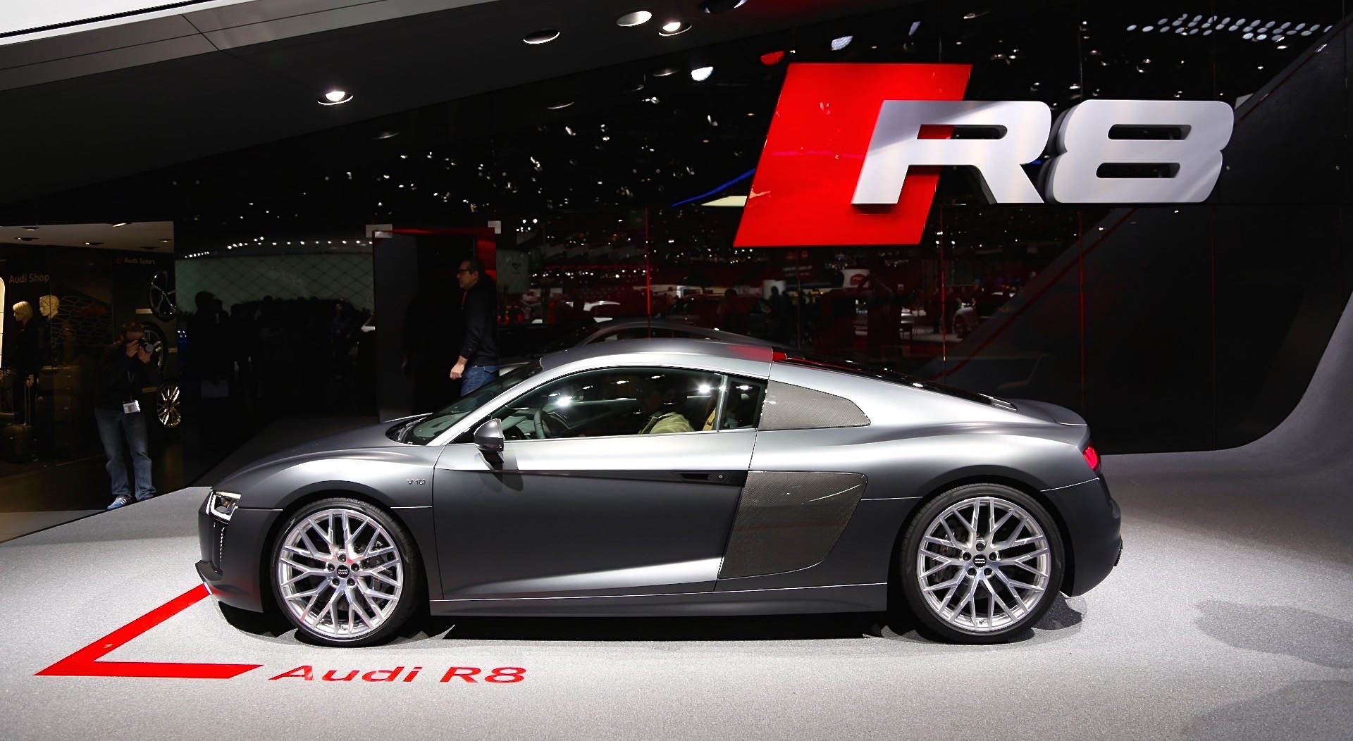 2017 audi r8 fully revealed live photos and video from geneva