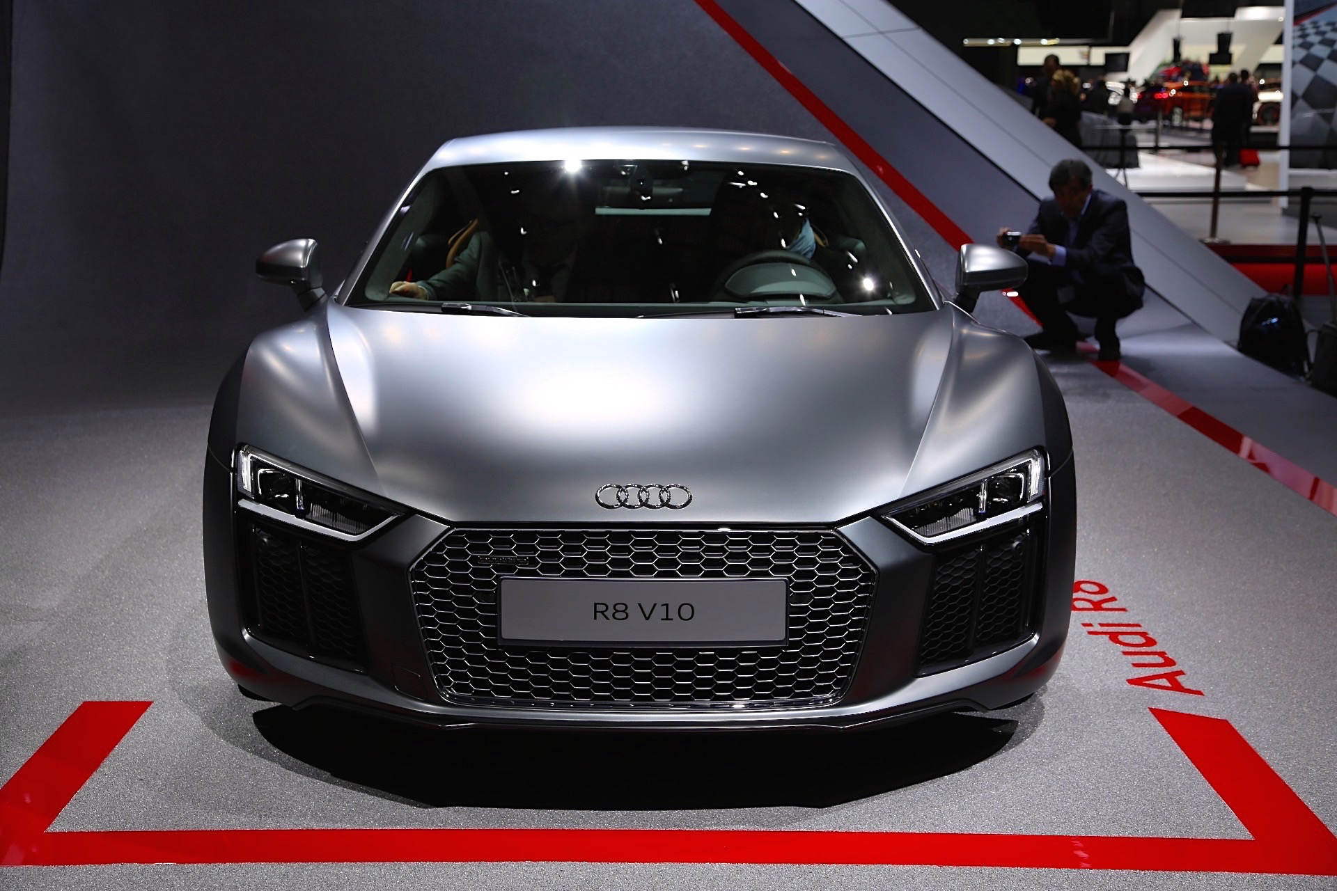 audi assemble tony stark to drive 2016 r8 in 39 avengers age of ultron 39. Black Bedroom Furniture Sets. Home Design Ideas