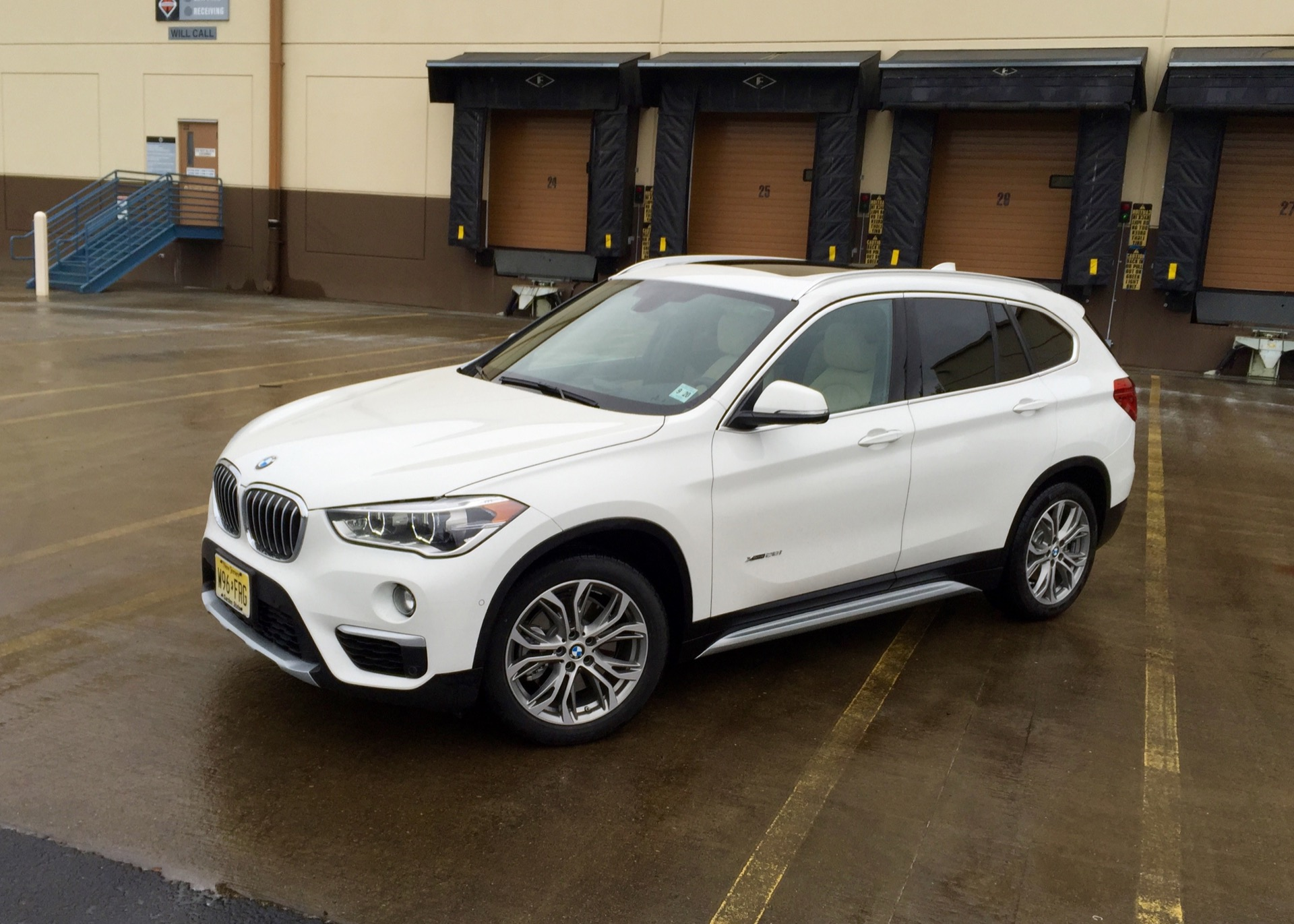2016 bmw x1 first drive review. Black Bedroom Furniture Sets. Home Design Ideas