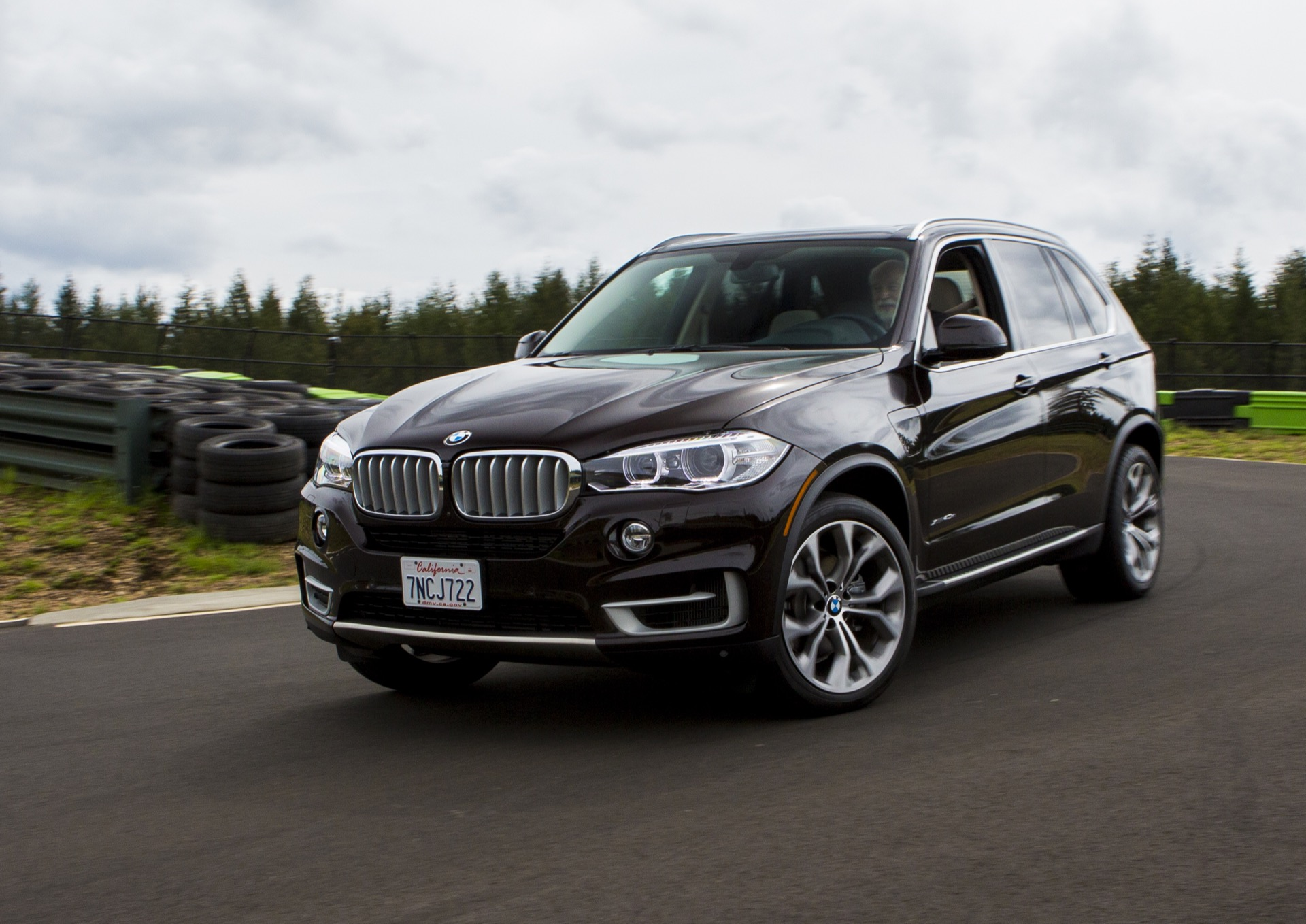 2016 bmw x5 xdrive40e first drive review. Black Bedroom Furniture Sets. Home Design Ideas