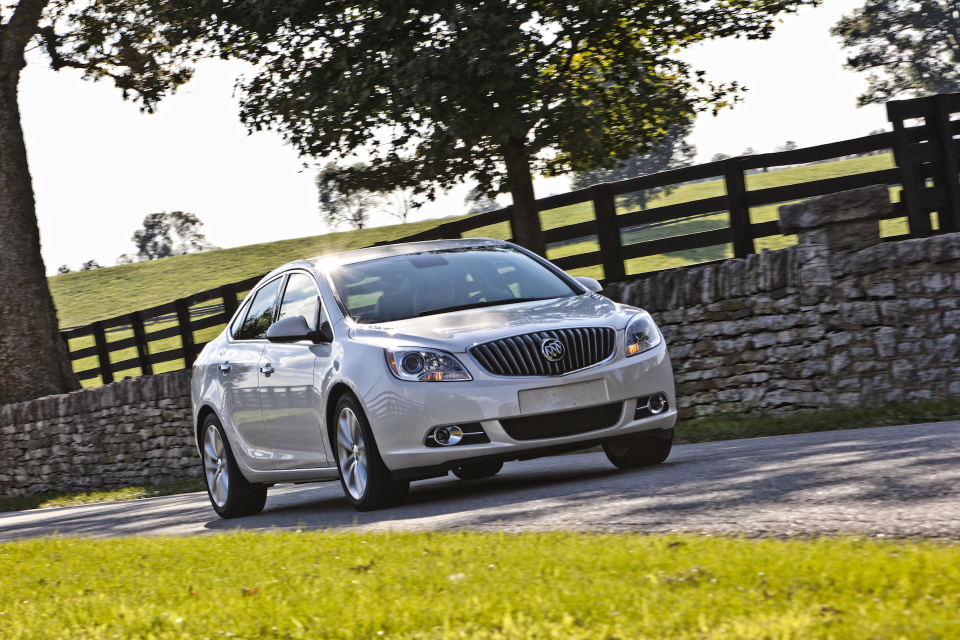Buick Verano Review >> 2017 Buick Verano Review Ratings Specs Prices And Photos