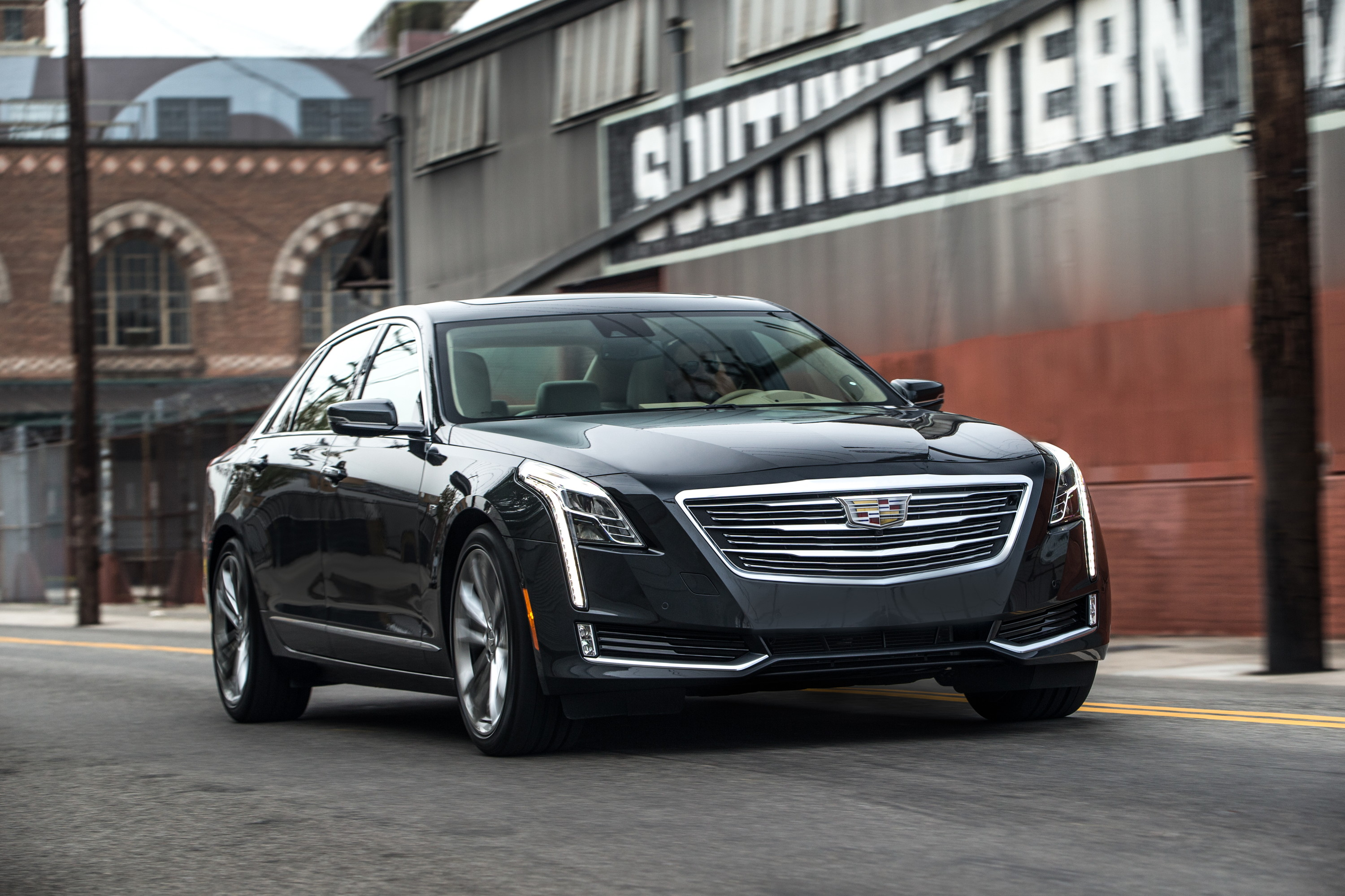 2017 Cadillac Ct6 Plug In Hybrid Coming With 449 Hp 37 Mile Electric Range