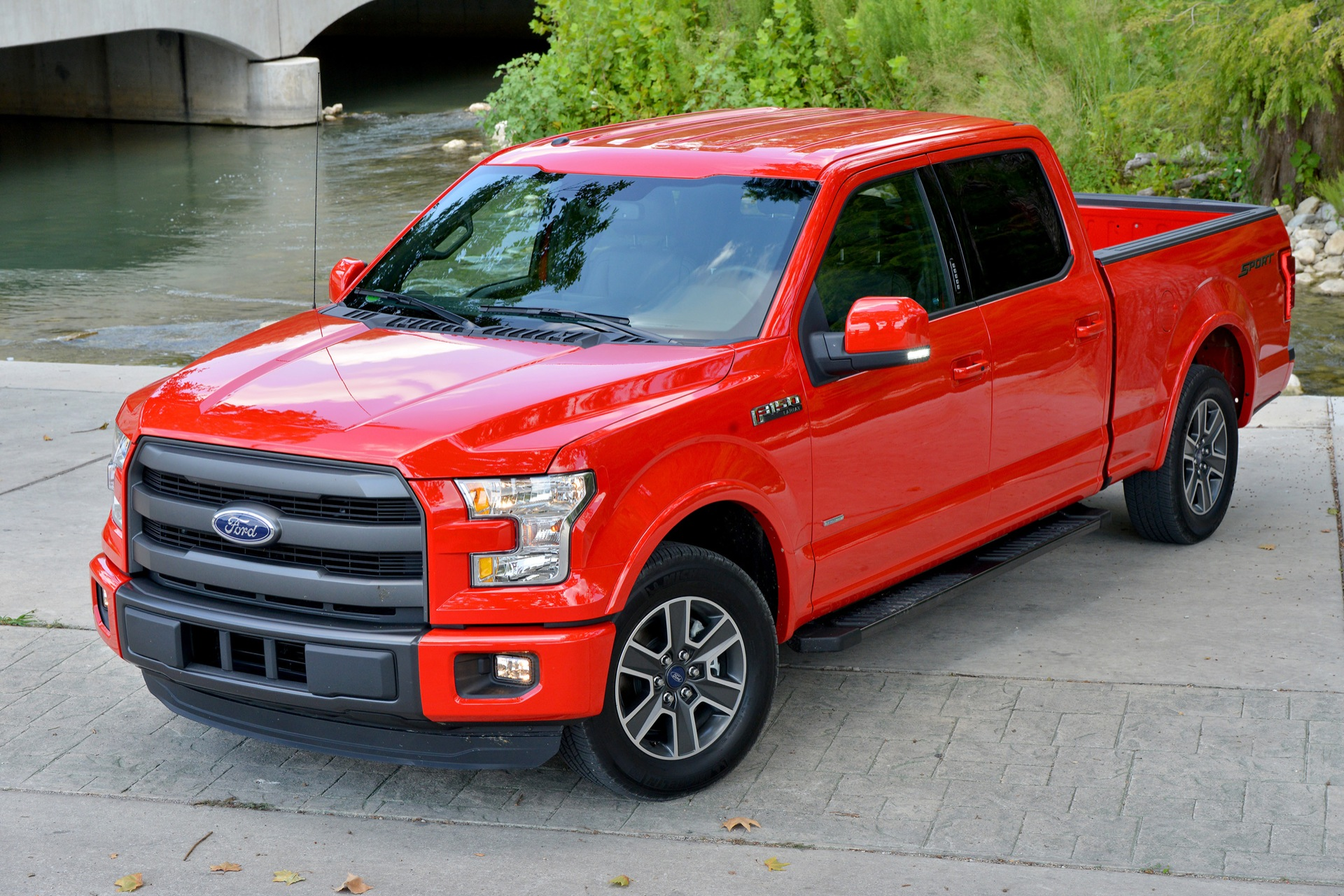 Ford Trucks 2016 >> Ford F 150 Plants Recycle Enough Aluminum For 30 000 Trucks A Month
