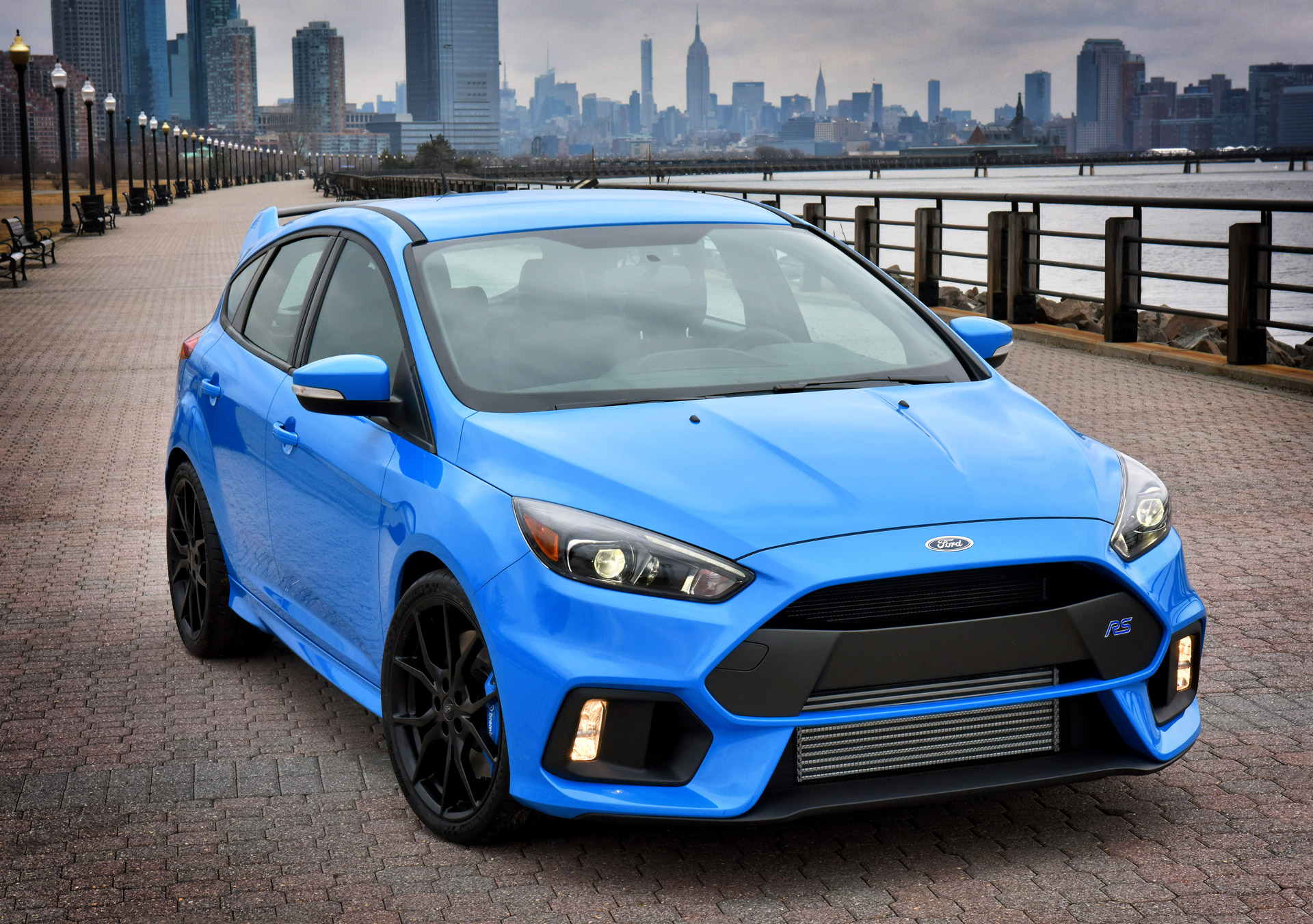 2016 ford focus rs configurator goes live confirms 36 605 starting price. Black Bedroom Furniture Sets. Home Design Ideas