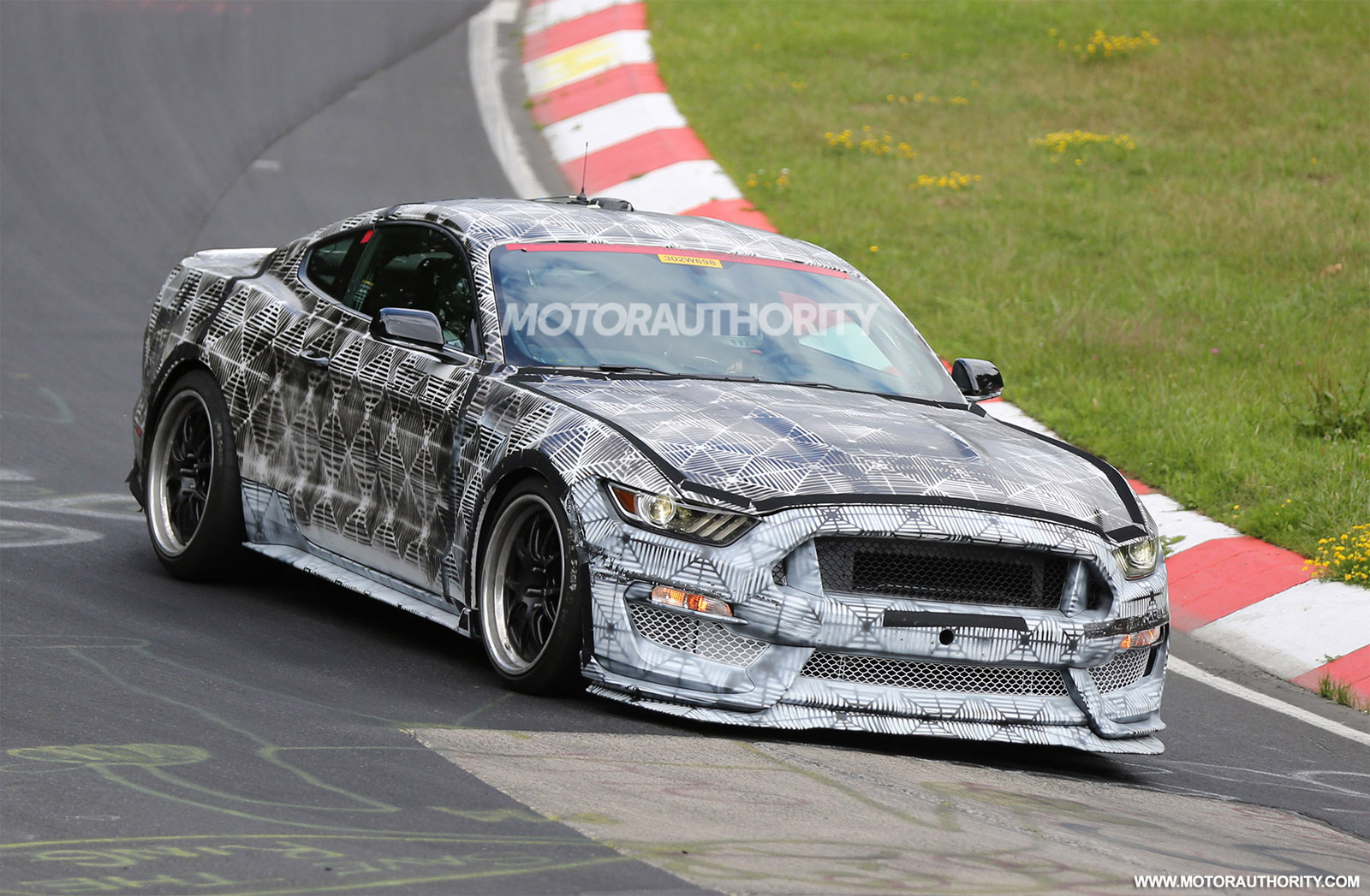 2016 Ford Mustang GT350 (SVT) Spy Shots - Video Update