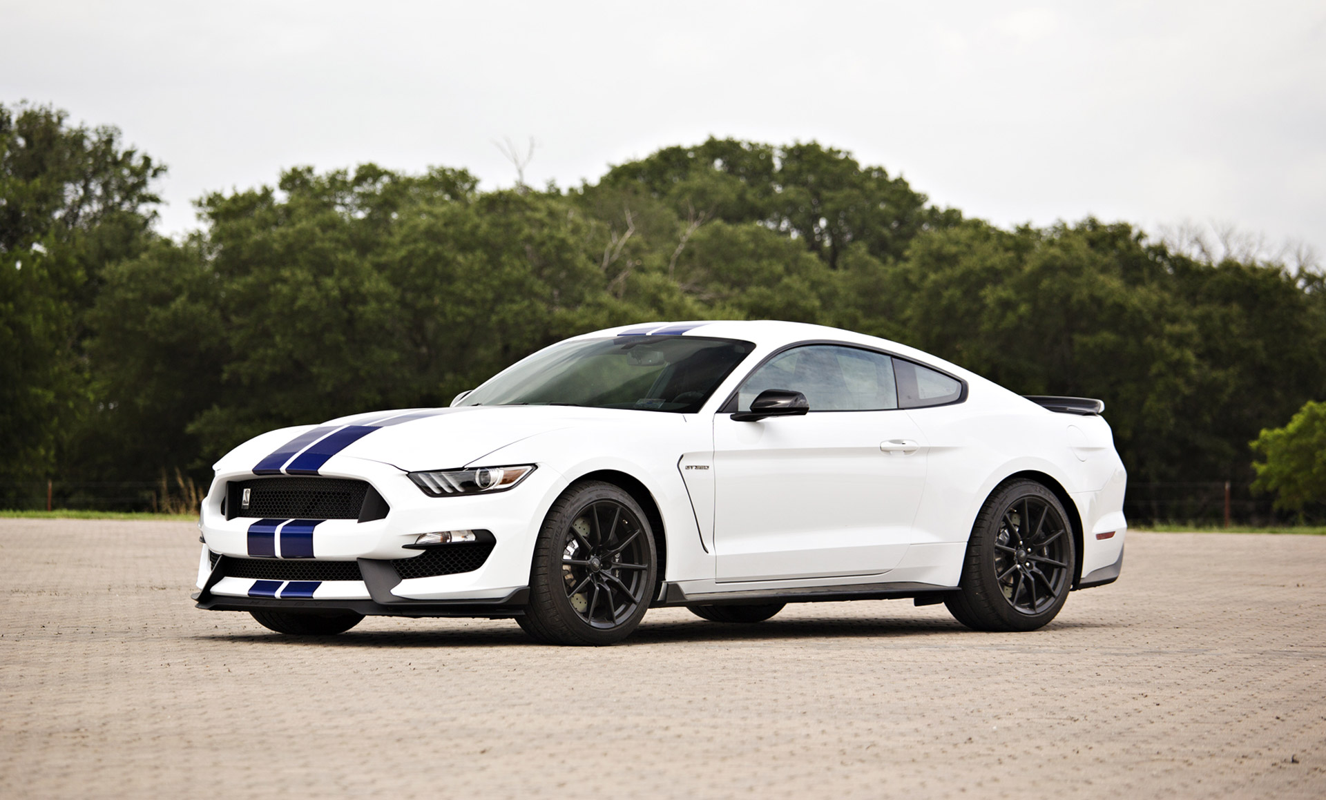 Ford mustang shelby gt350 signed by george w bush helps raise 885k for charity