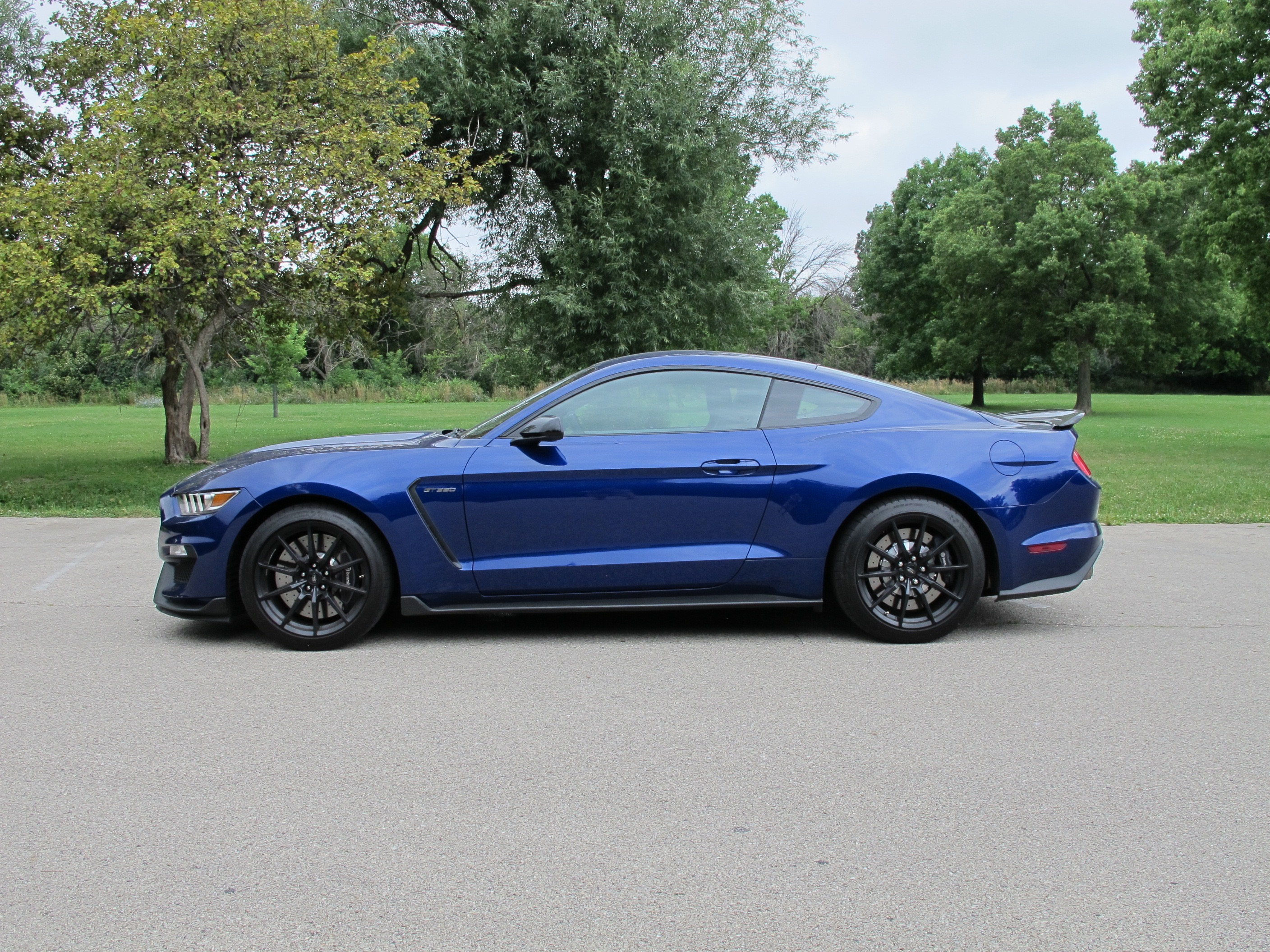 Commuting And The 2016 Ford Shelby Gt350 Mustang Don T Mix