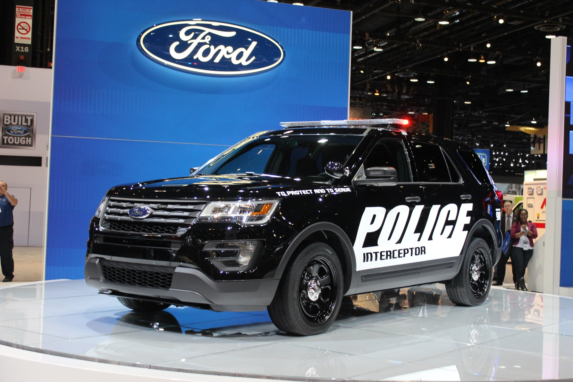 Ford S Explorer Police Interceptor Utility Gets Stealthy For 2016