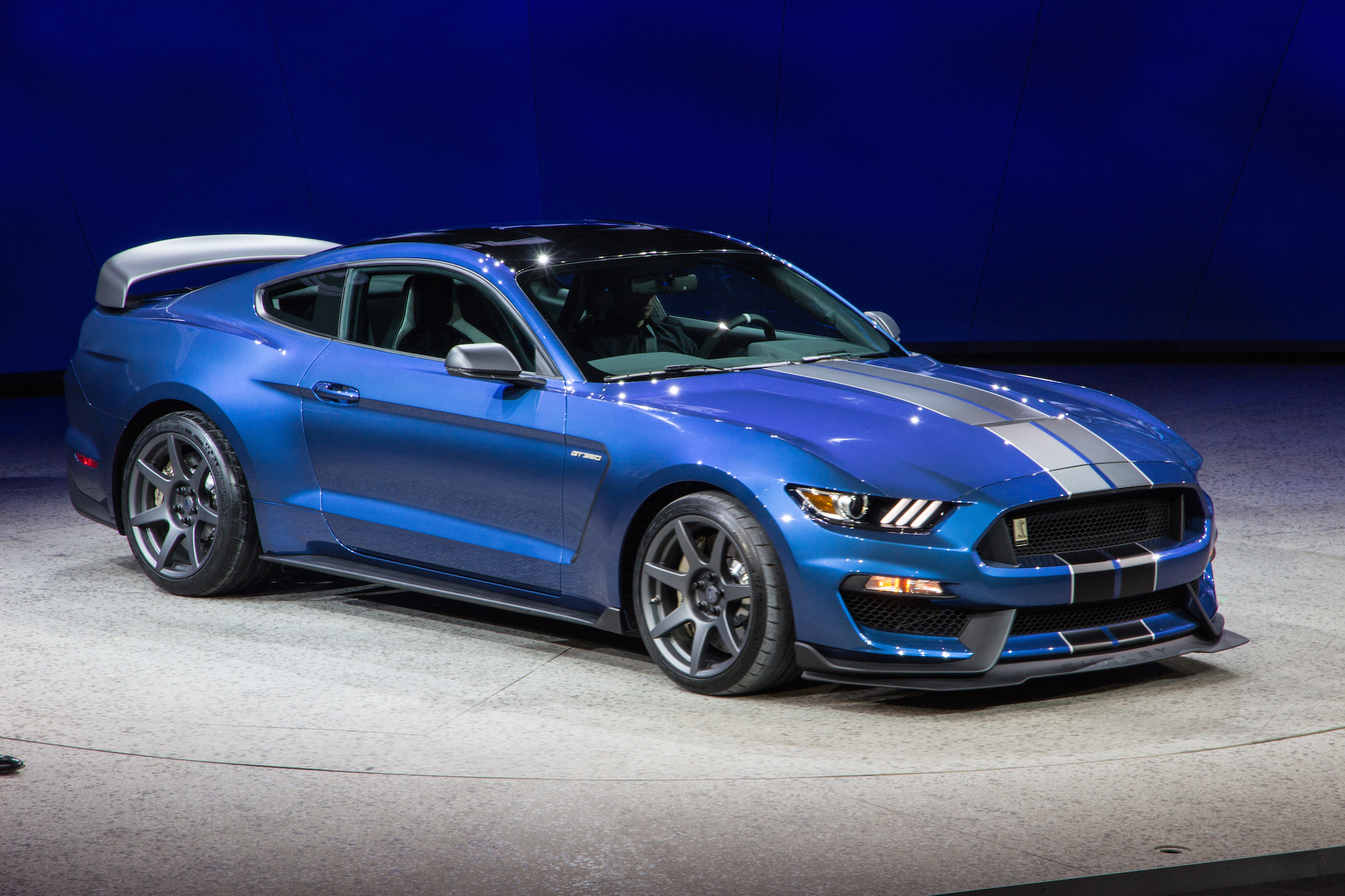 Ford Mustang 2016 : 2016 ford mustang shelby gt350r is a track honed hooligan ~ Nature-et-papiers.com Idées de Décoration