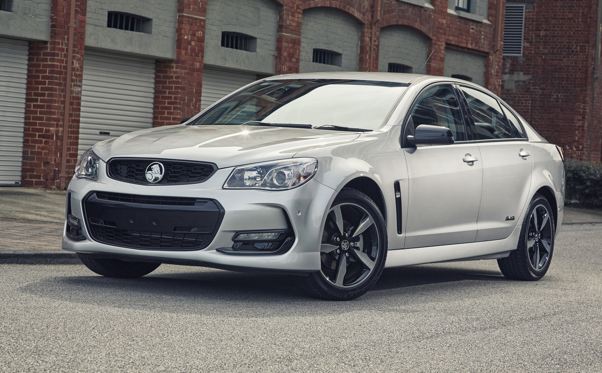 2016 holden commodore ups style with black edition trim sciox Gallery