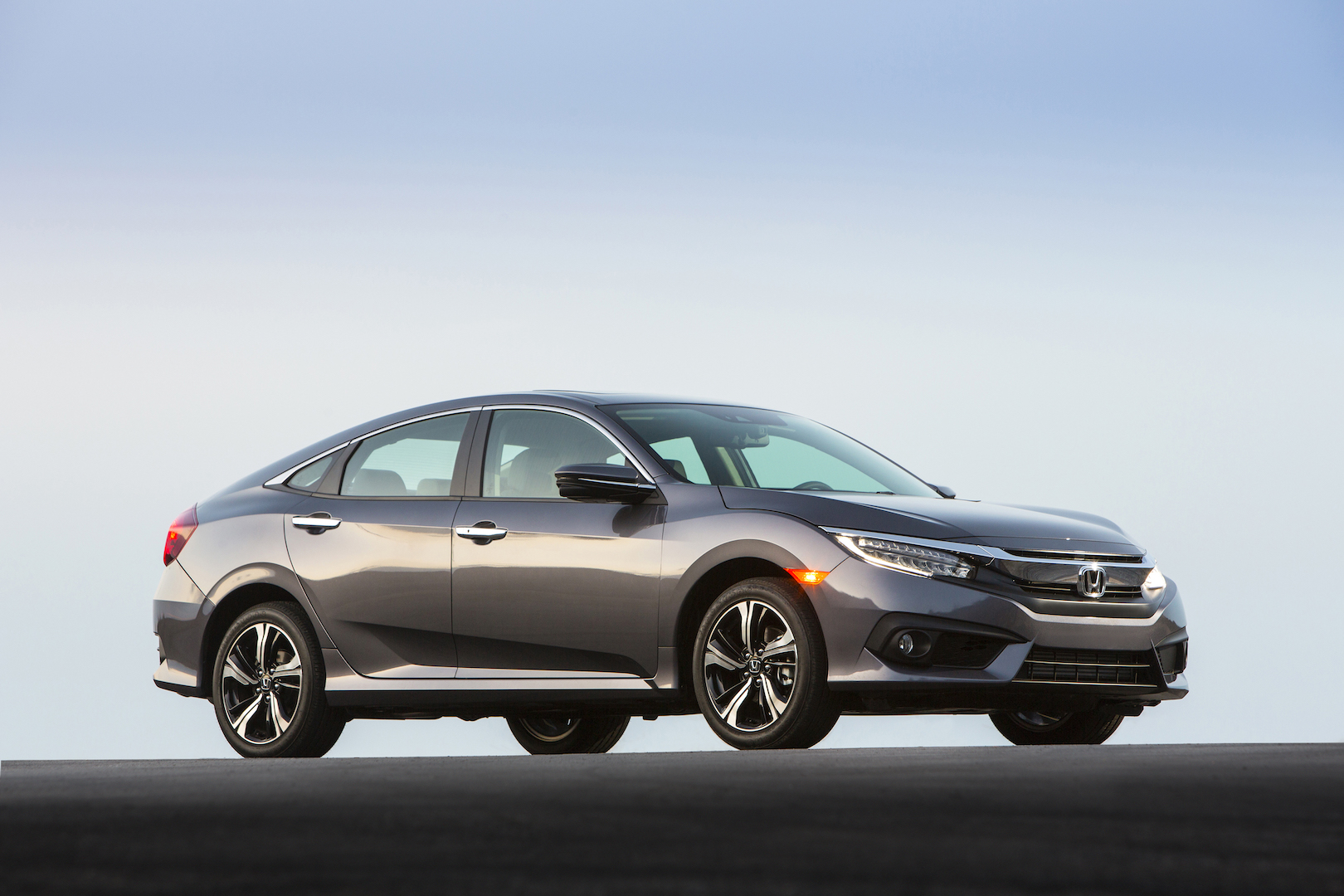 Affordable safety 2016 honda civic earns iihs top safety for Honda civic safety