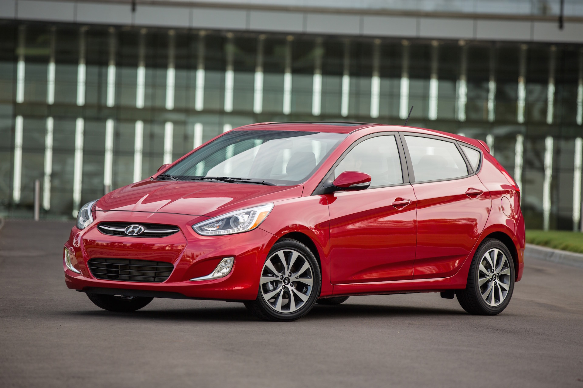 Hyundai Accent Mpg >> 2016 Hyundai Accent Review Ratings Specs Prices And