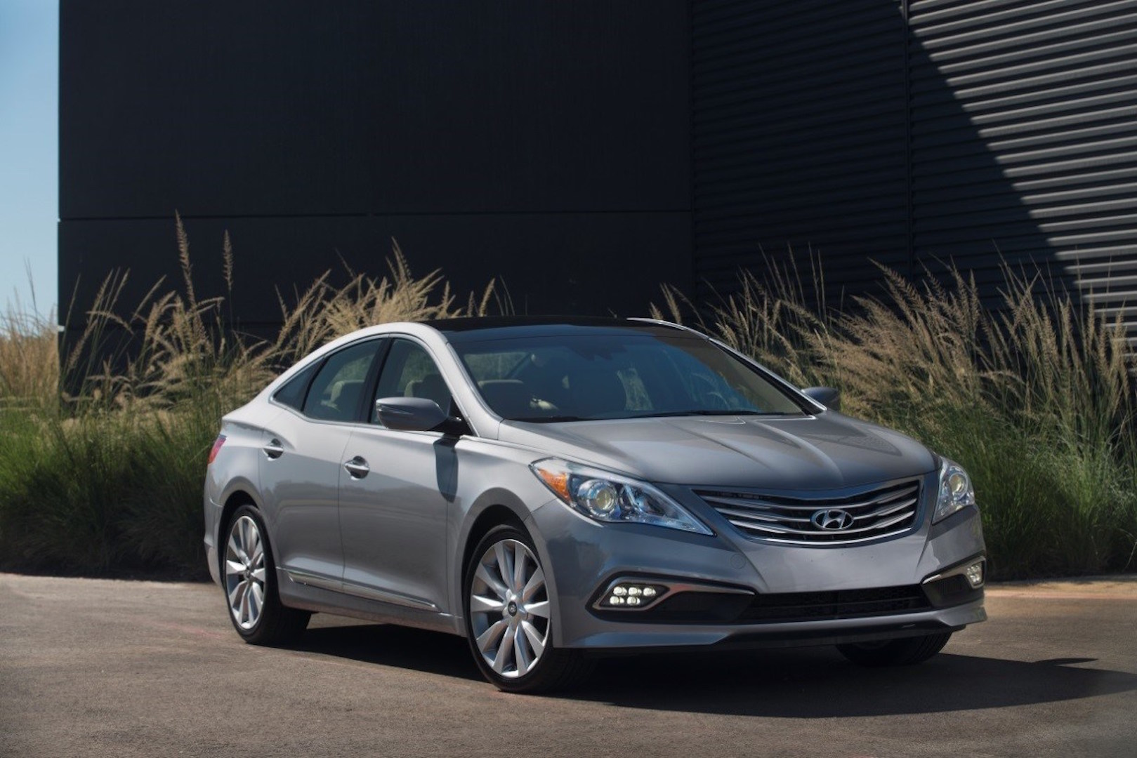 Hyundai Azera 2016 >> 2016 Hyundai Azera Review Ratings Specs Prices And
