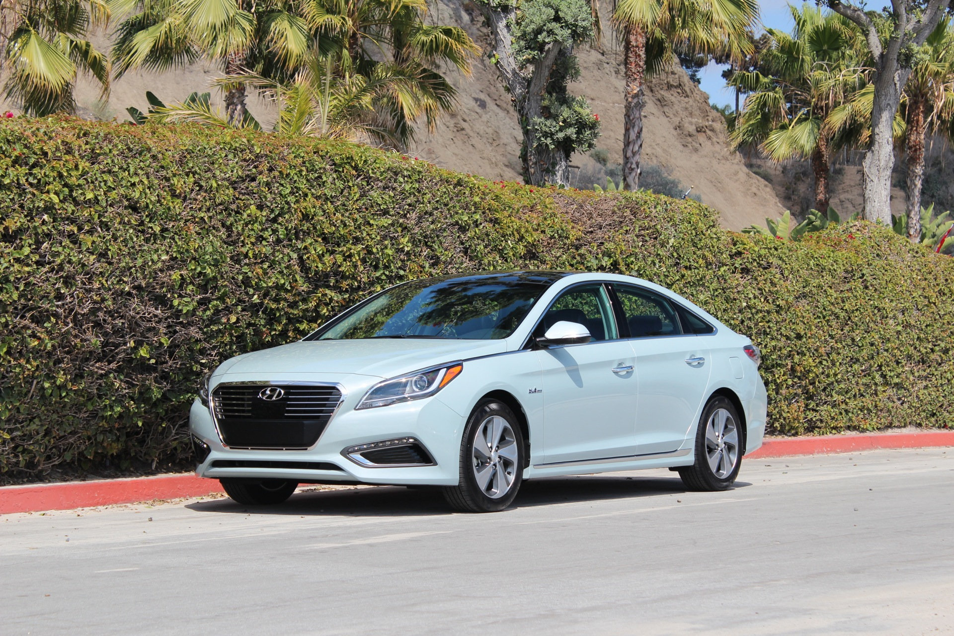 Green Car Reports 2016 Best To Nominee Hyundai Sonata Hybrid And Plug In