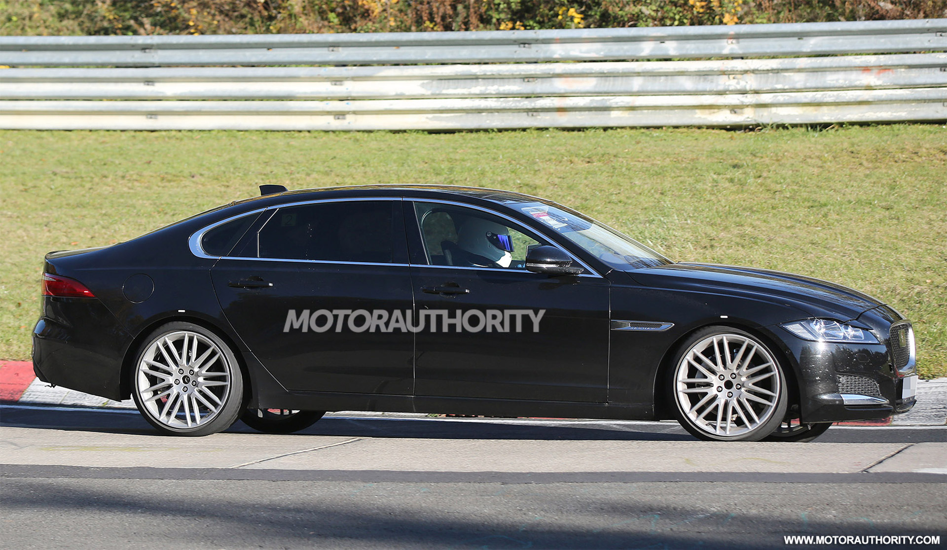 2016 Jaguar Xf Lwb Spy Shots