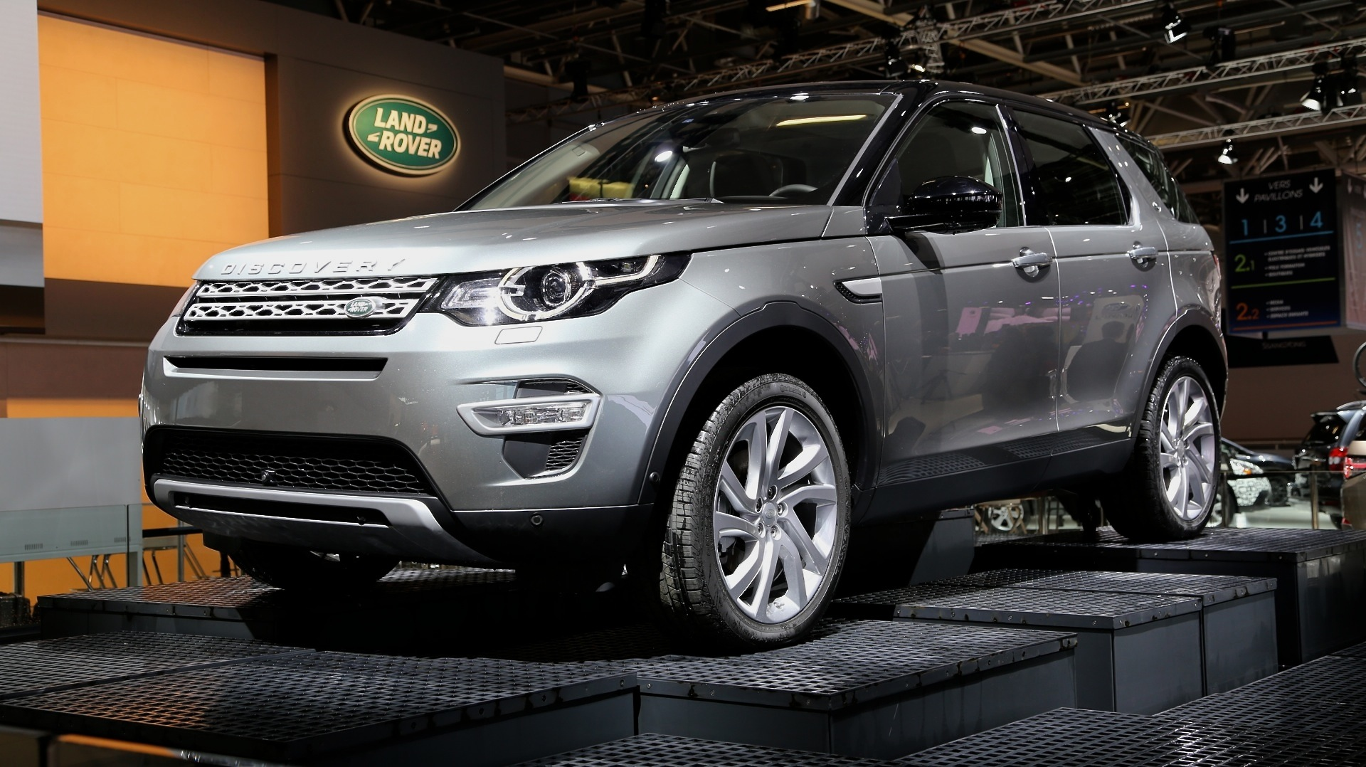 2016 land rover discovery sport preview. Black Bedroom Furniture Sets. Home Design Ideas