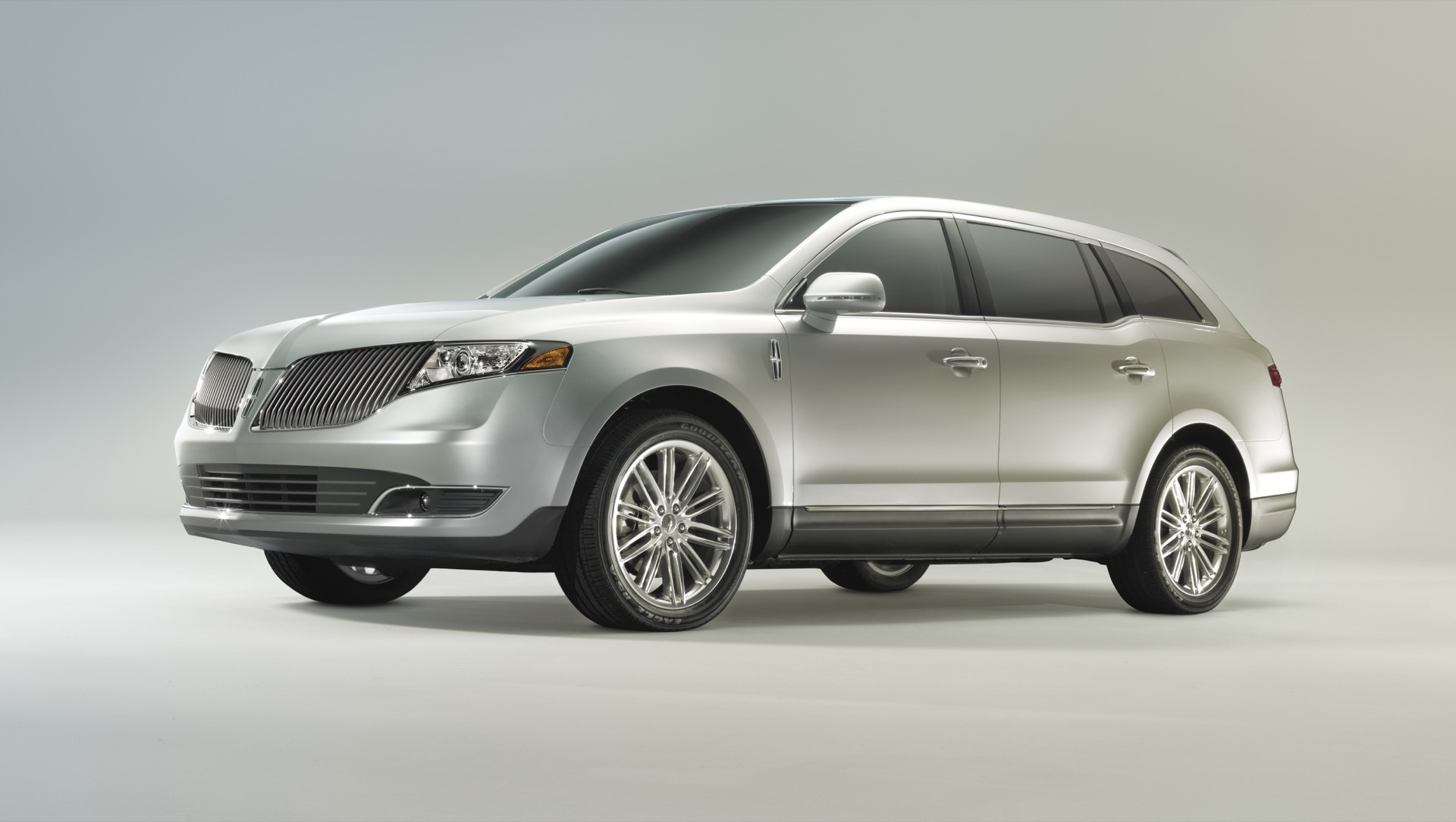 2016 Lincoln Mkt >> 2017 Lincoln Mkt Review Ratings Specs Prices And Photos