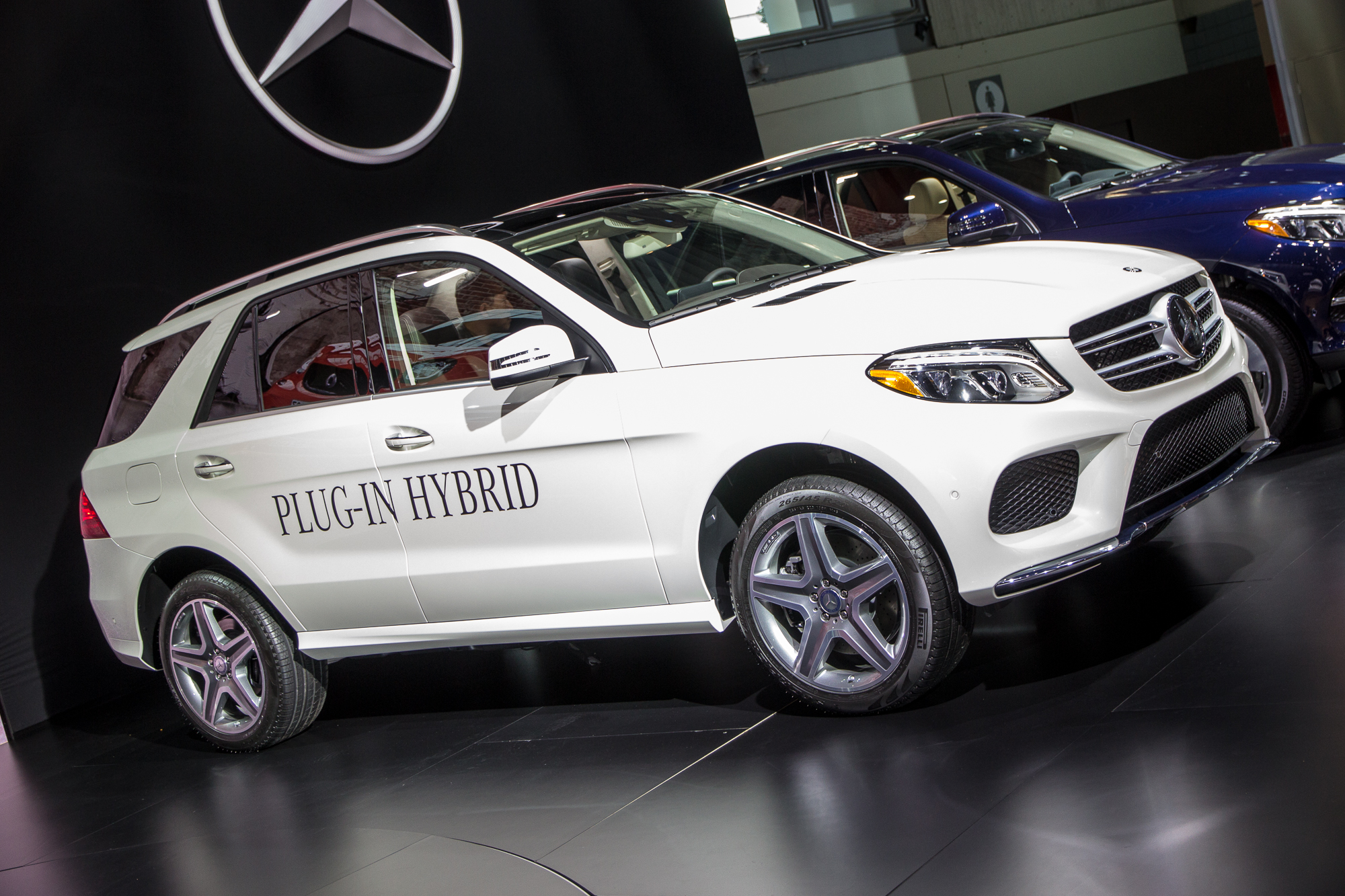 2016 mercedes benz gle class video preview for Mercedes benz hybrid cars