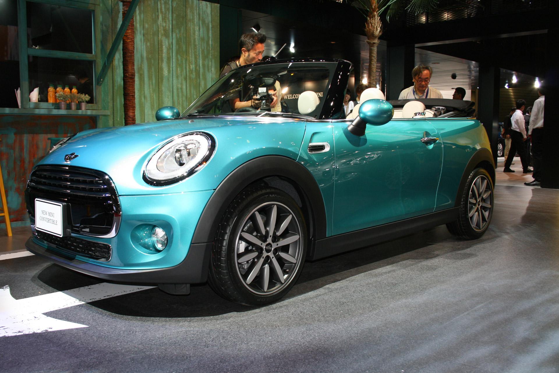 2016 mini convertible debuts at 2015 tokyo auto show. Black Bedroom Furniture Sets. Home Design Ideas