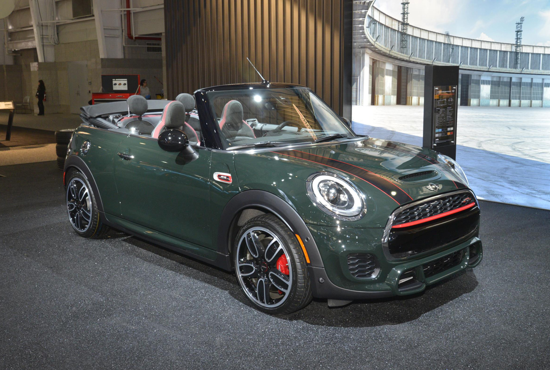 2016 mini john cooper works convertible debuts in new york. Black Bedroom Furniture Sets. Home Design Ideas