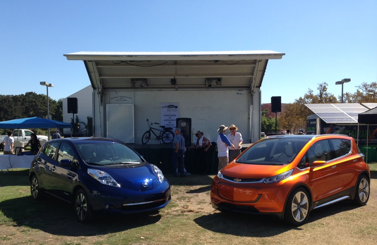 Chevy Bolt Ev 107 Mile Nissan Leaf Face Off At La Drive Electric Week Update On Pricing