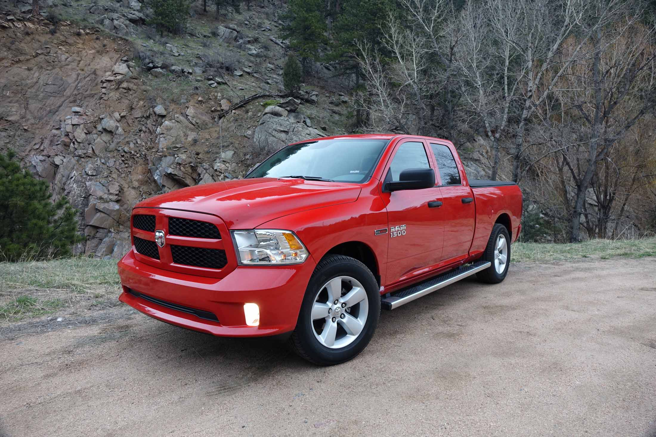 2016 ram 1500 hfe ecodiesel fuel economy review 24 mpg full size pickup truck. Black Bedroom Furniture Sets. Home Design Ideas