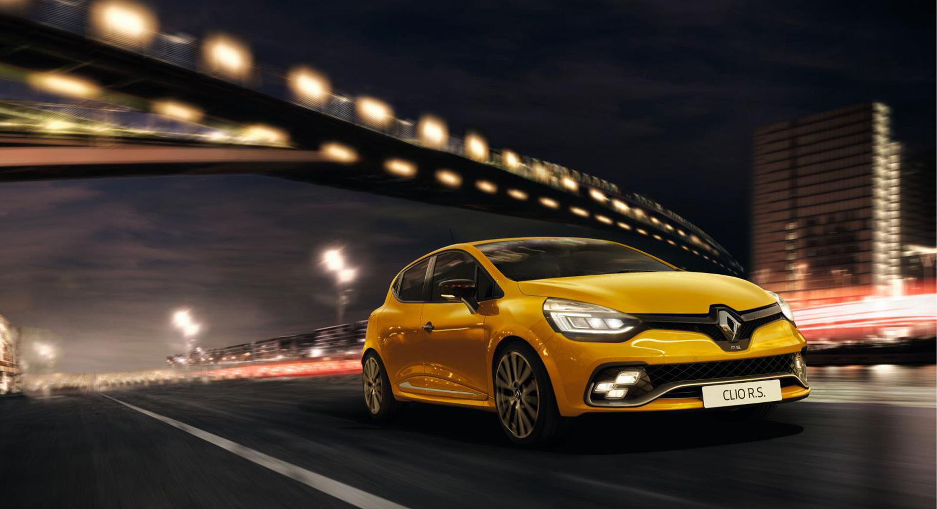 renault rolls out new clio rs. Black Bedroom Furniture Sets. Home Design Ideas