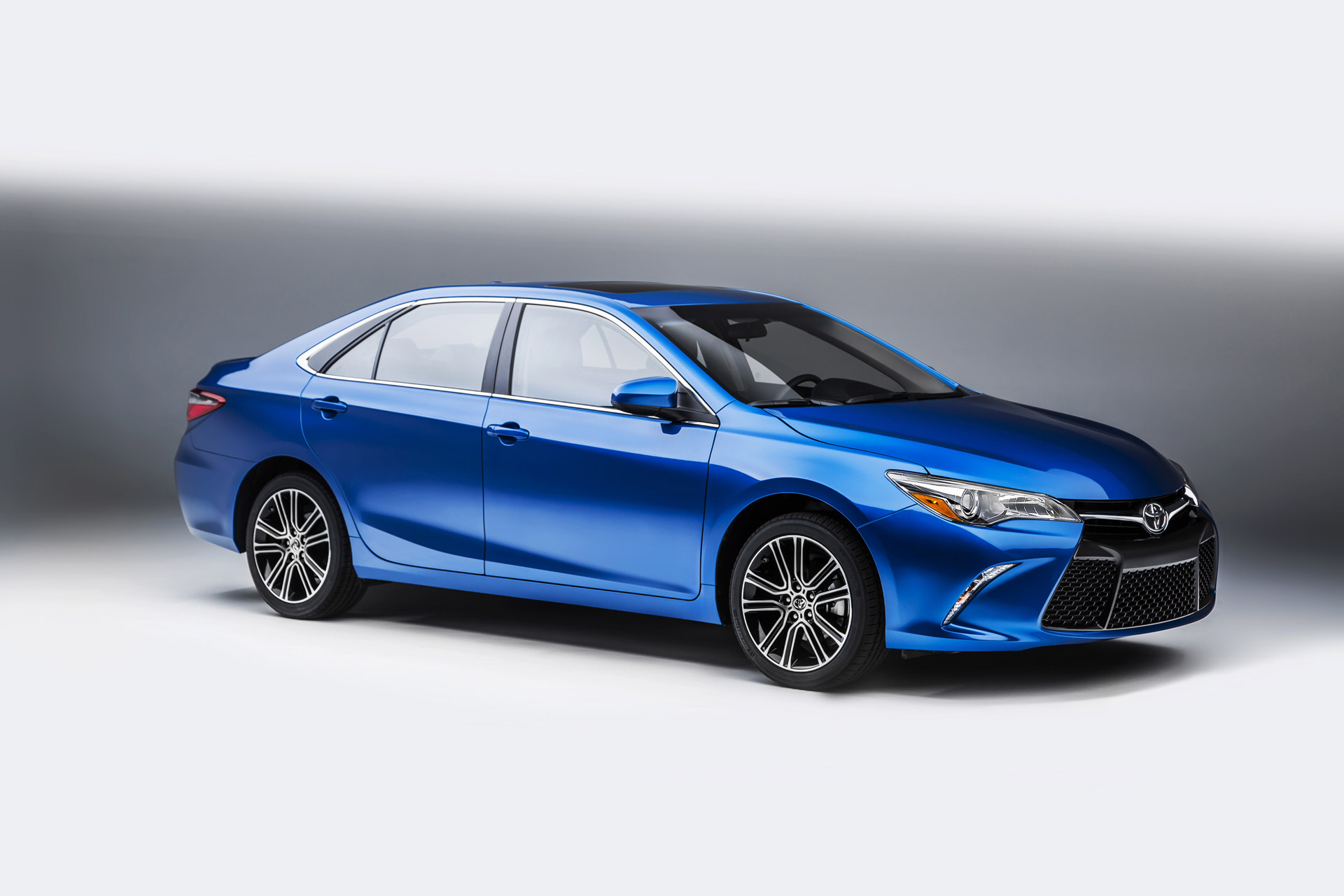 2016 Toyota Camry Review Ratings Specs Prices And Photos The Car Connection