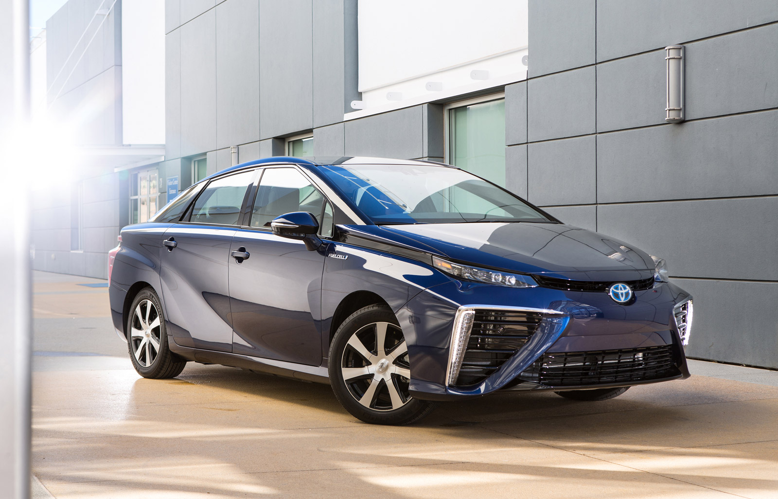 Toyota Mirai Test Drive Tesla Drag Race Cleaner Electric Cars The Week In Reverse Video