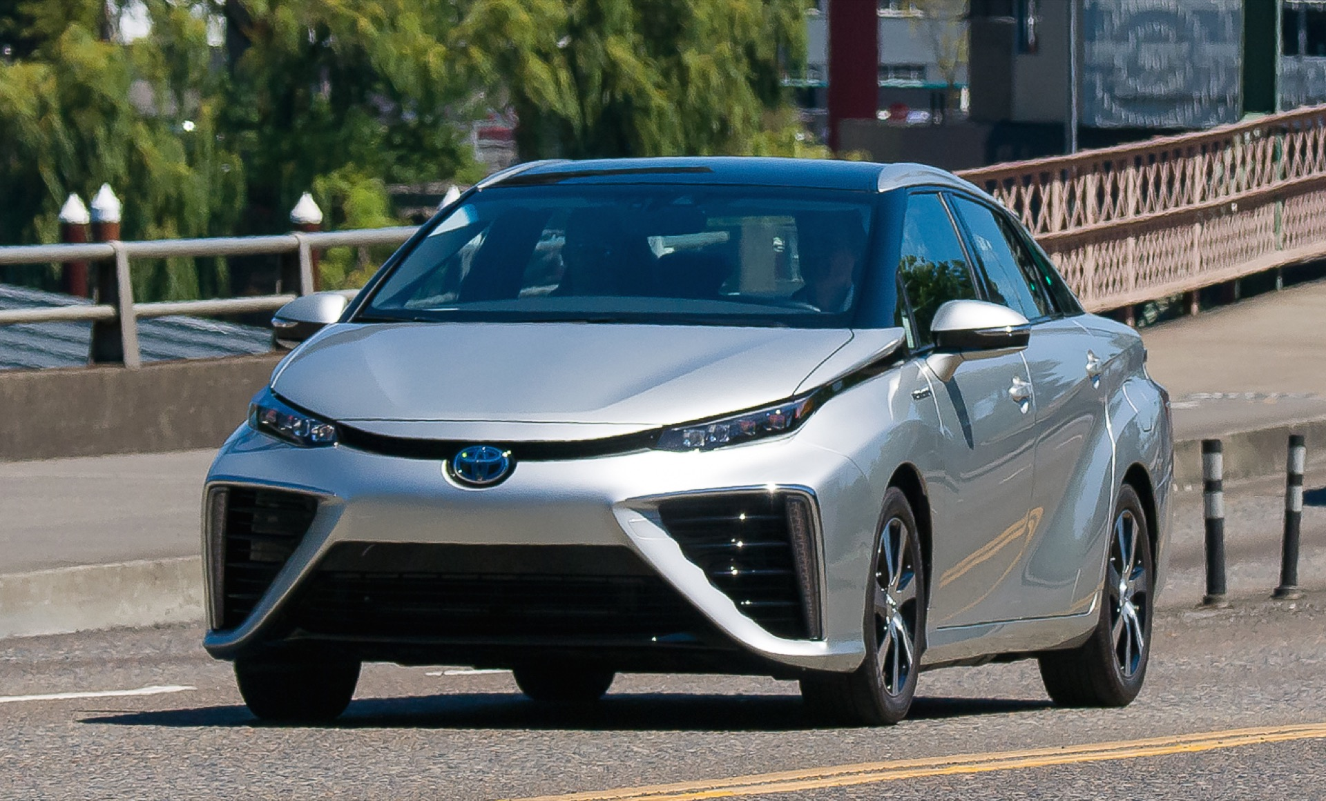 2018 F150 Review >> 2016 Toyota Mirai Hydrogen Fuel-Cell Car Runs On...Leftover Lemonade? Huh?