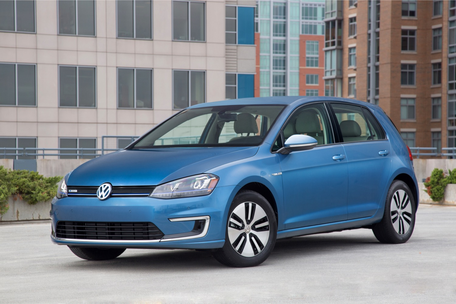 2016 Volkswagen e-Golf SE: $30K Price For New Electric Car ...