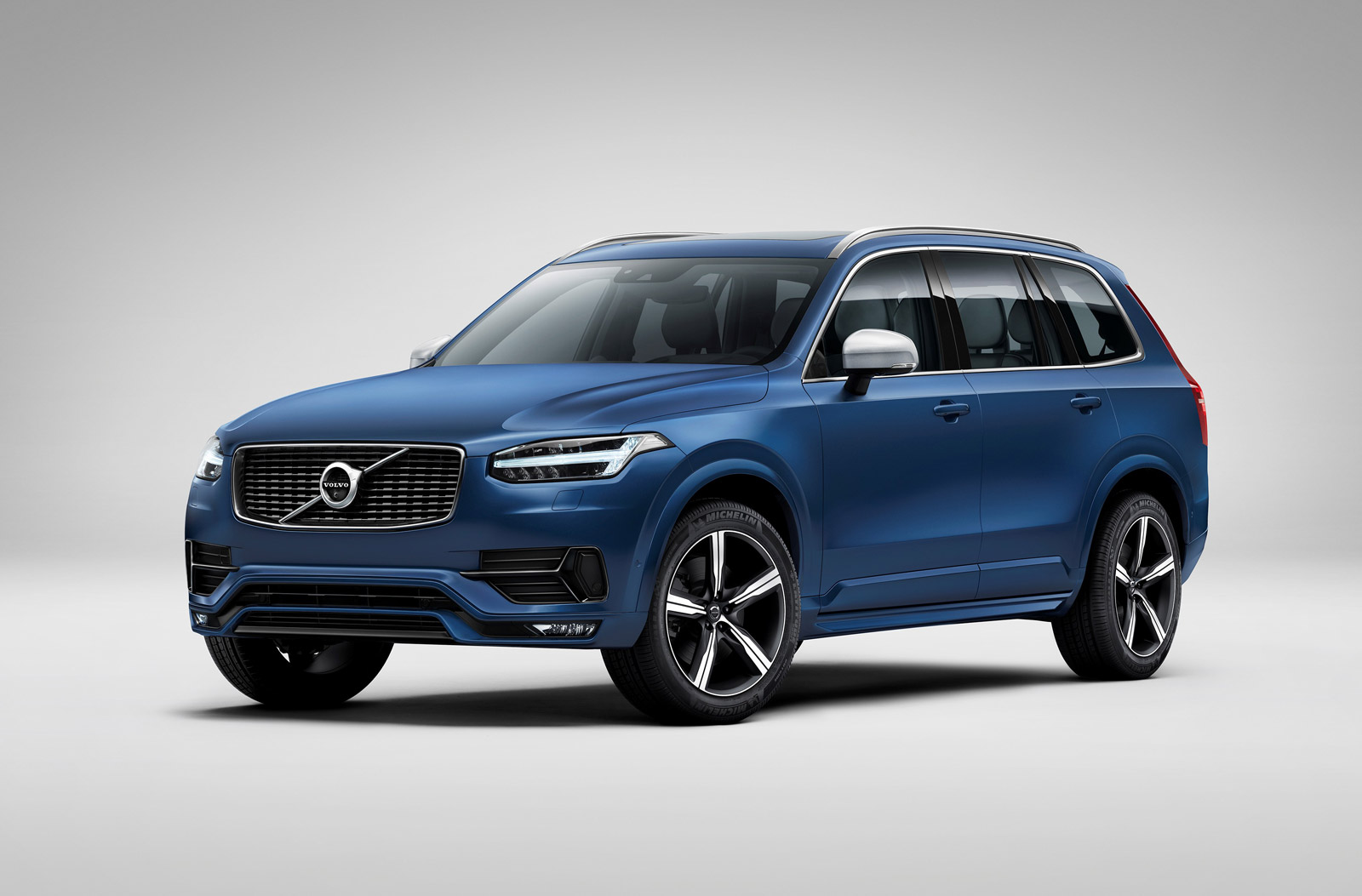 deliveries halted on 2016 volvo xc90 due to airbag issue