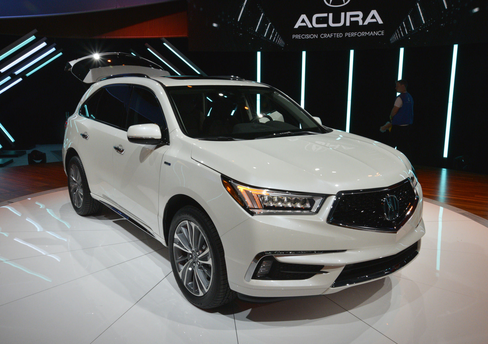 2018 acura mdx sport hybrid. perfect acura 2017 acura mdx debuts with new look nsxderived hybrid system live photos  and video intended 2018 acura mdx sport r