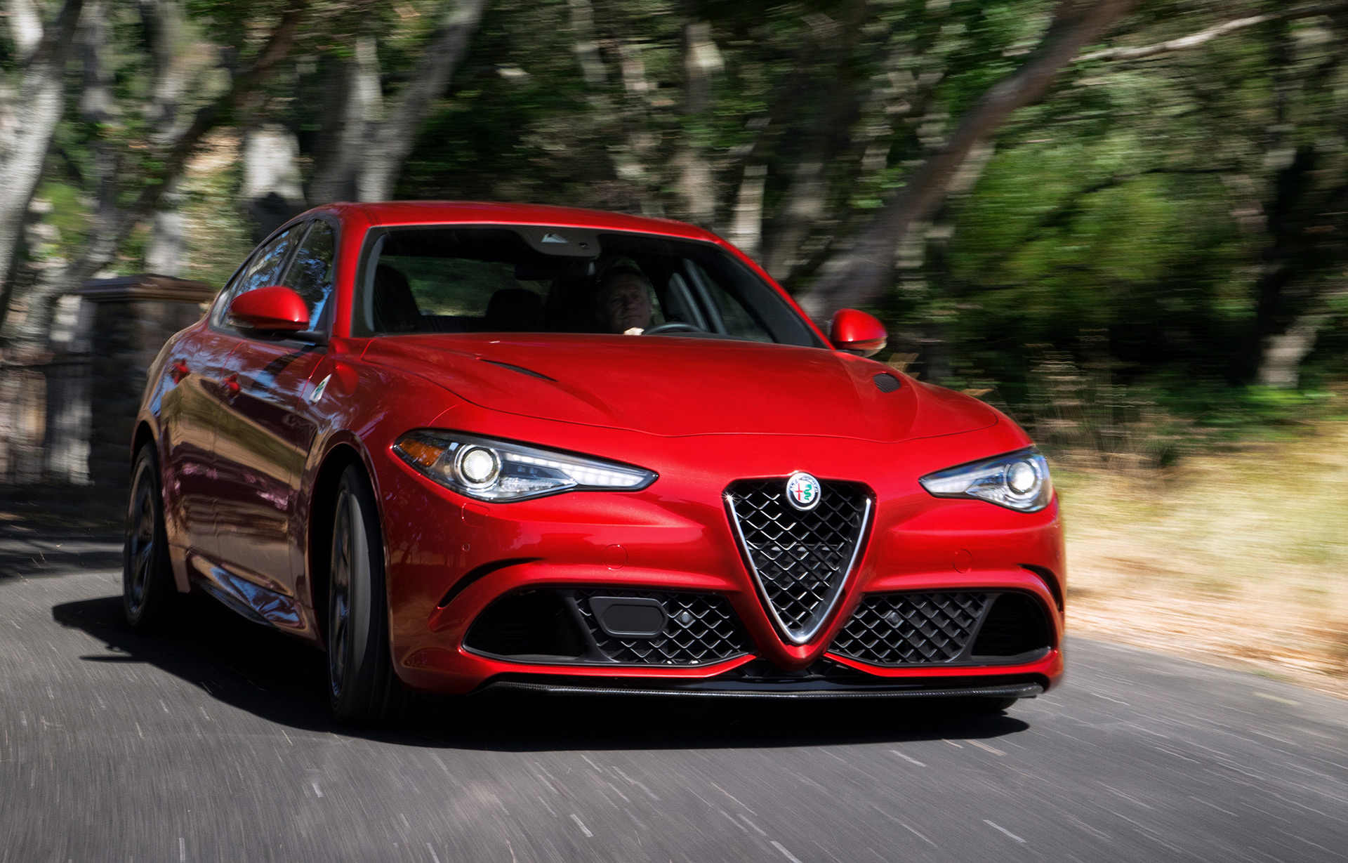 2017 alfa romeo giulia quadrifoglio first drive review. Black Bedroom Furniture Sets. Home Design Ideas