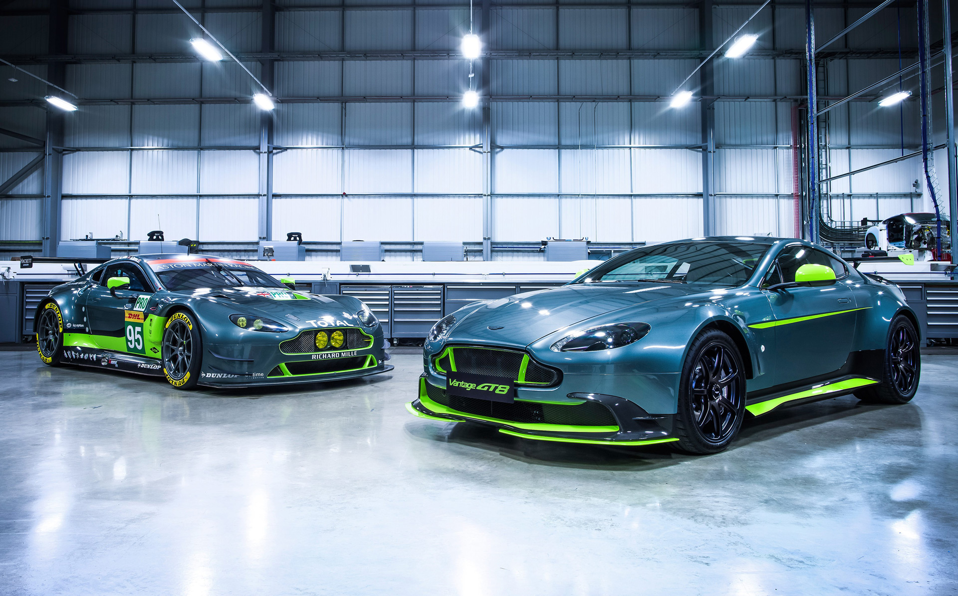 Aston Martin Gt8 >> 2017 Aston Martin Vantage Gt8 Revealed Limited To 150 Units