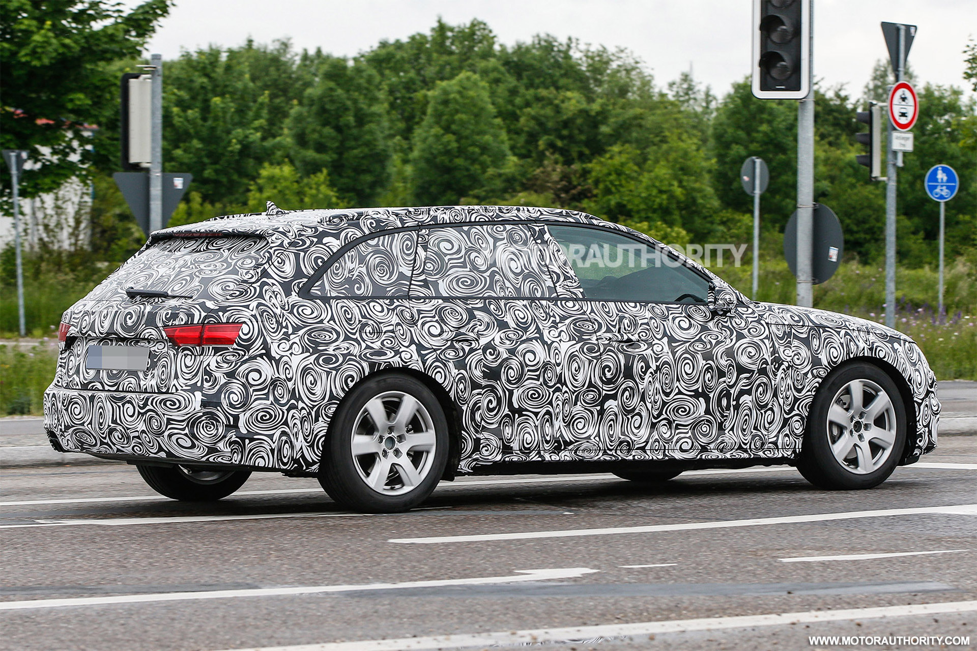 2017 audi a4 avant spy shots. Black Bedroom Furniture Sets. Home Design Ideas