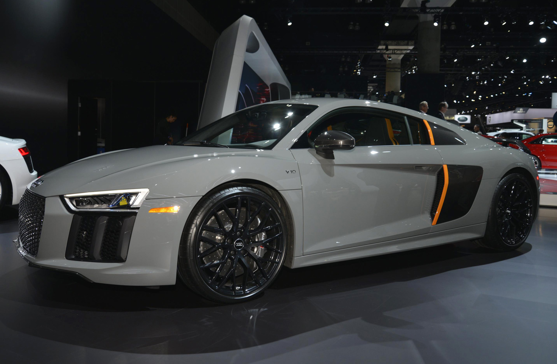 special edition audi r8 v10 plus comes with laser headlights. Black Bedroom Furniture Sets. Home Design Ideas
