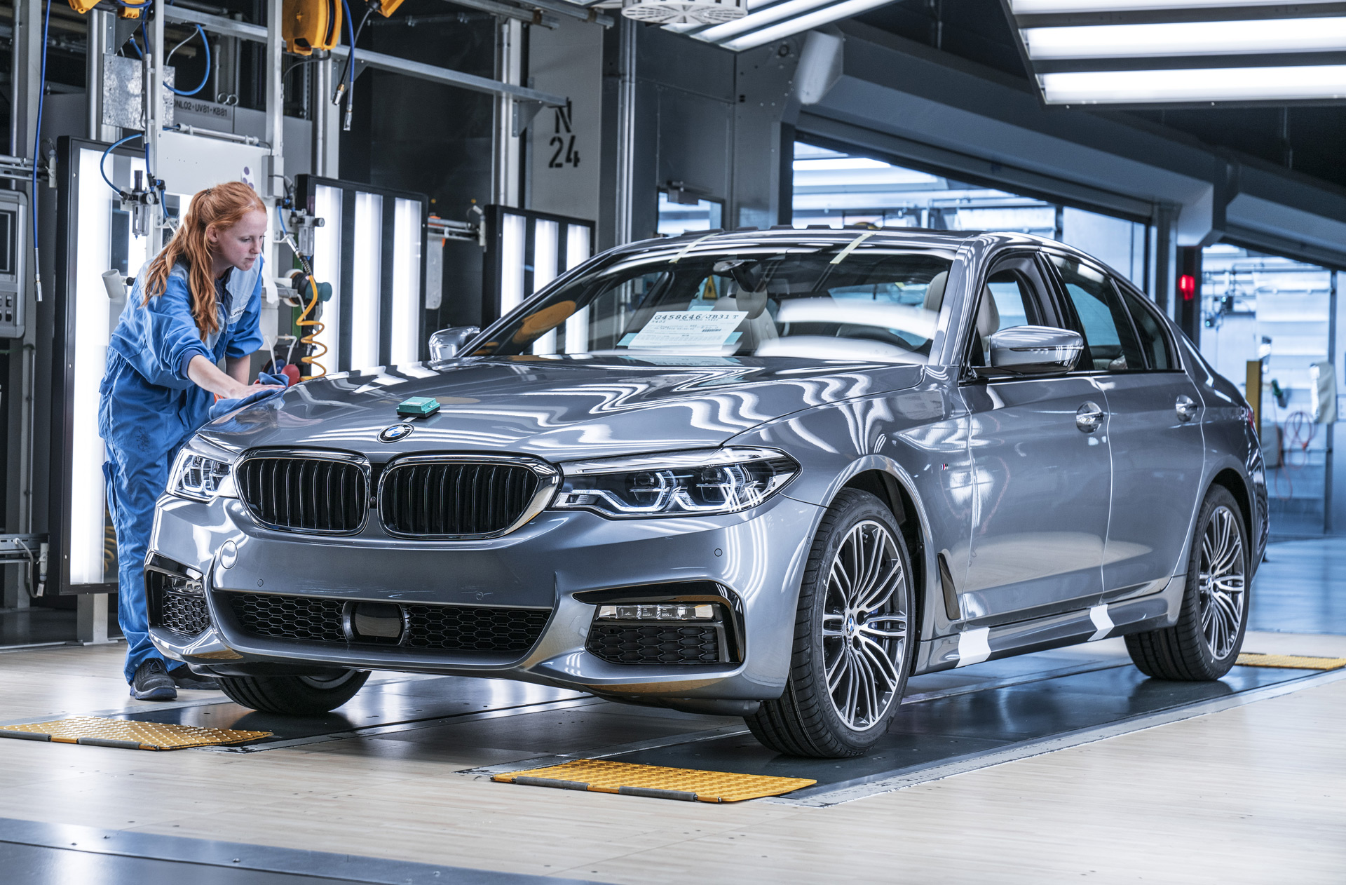 An Inside Look At Production Of The 2017 Bmw 5 Series
