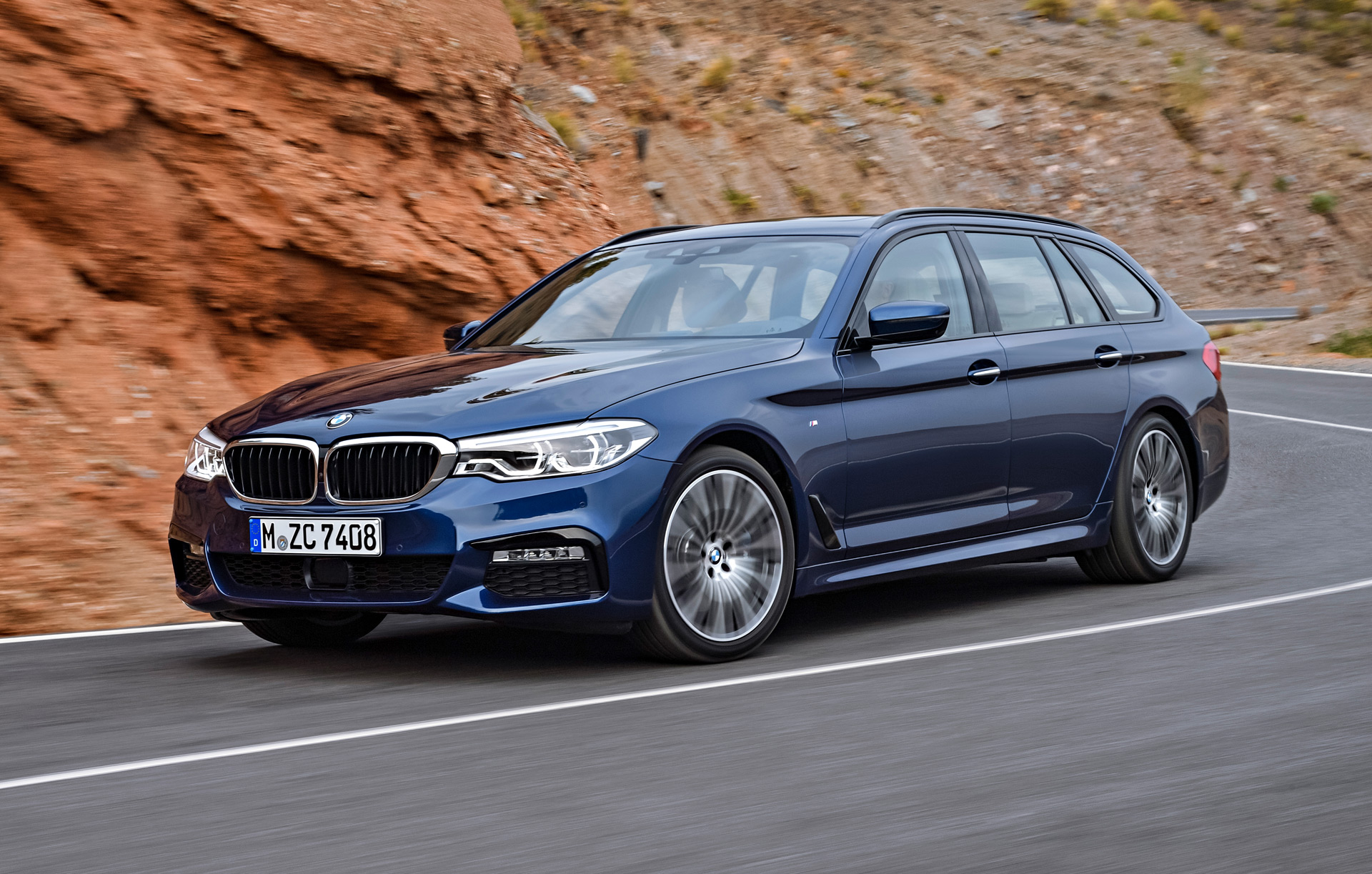 2017 bmw 5 series touring revealed ahead of geneva debut. Black Bedroom Furniture Sets. Home Design Ideas