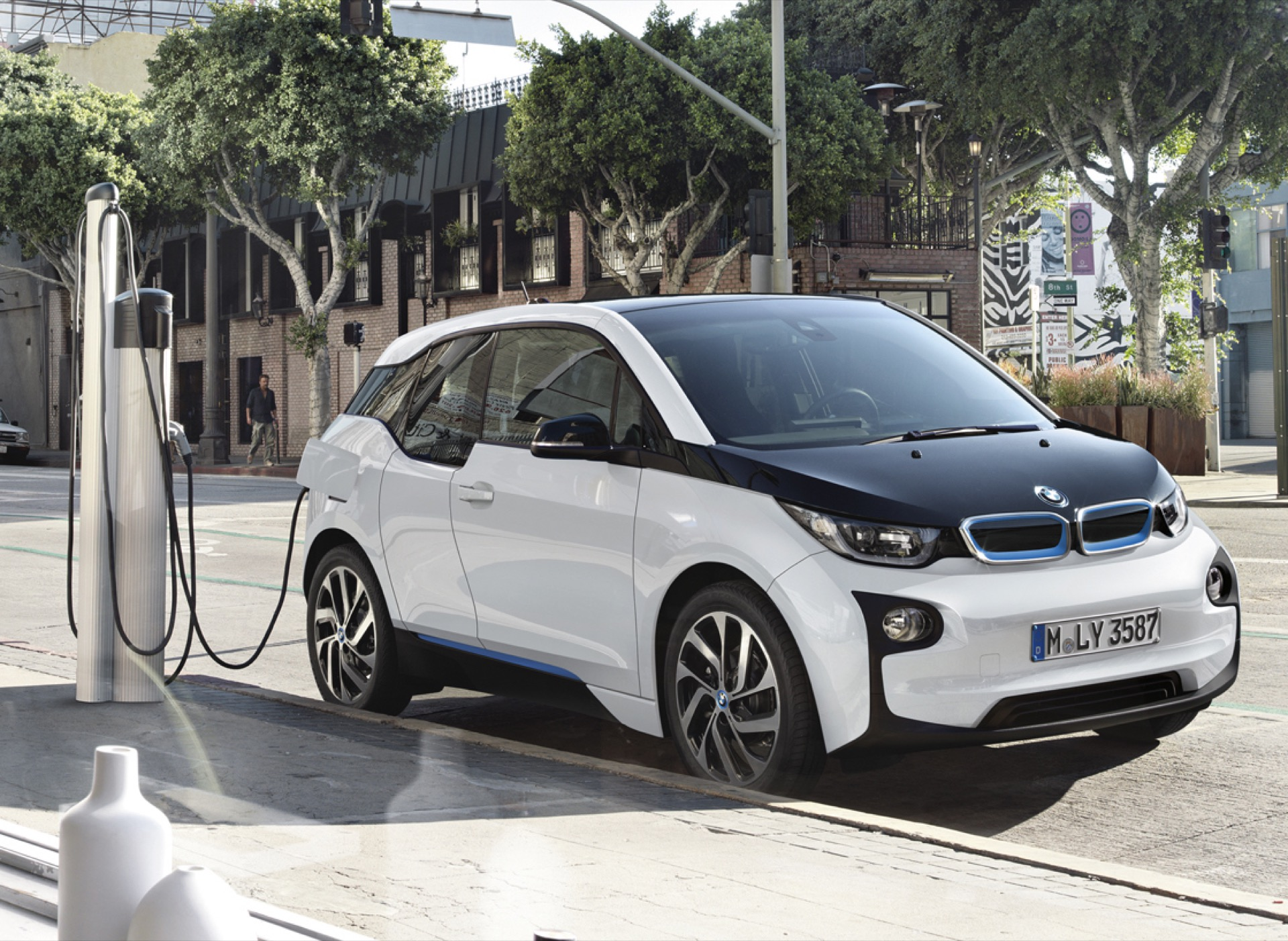 Soon, \'electric-car range will no longer be a factor,\' BMW chief says