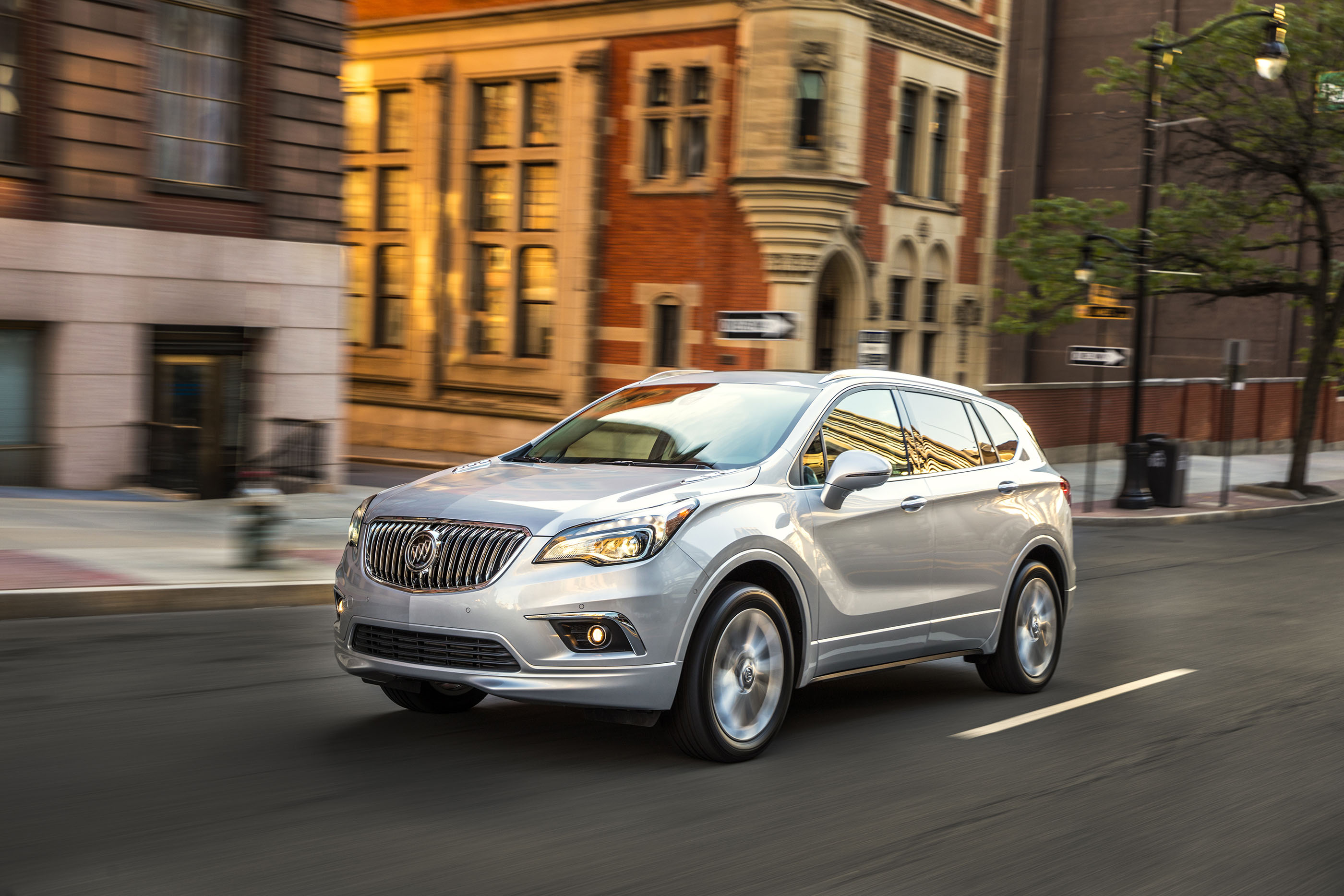 2017 Buick Envision preview
