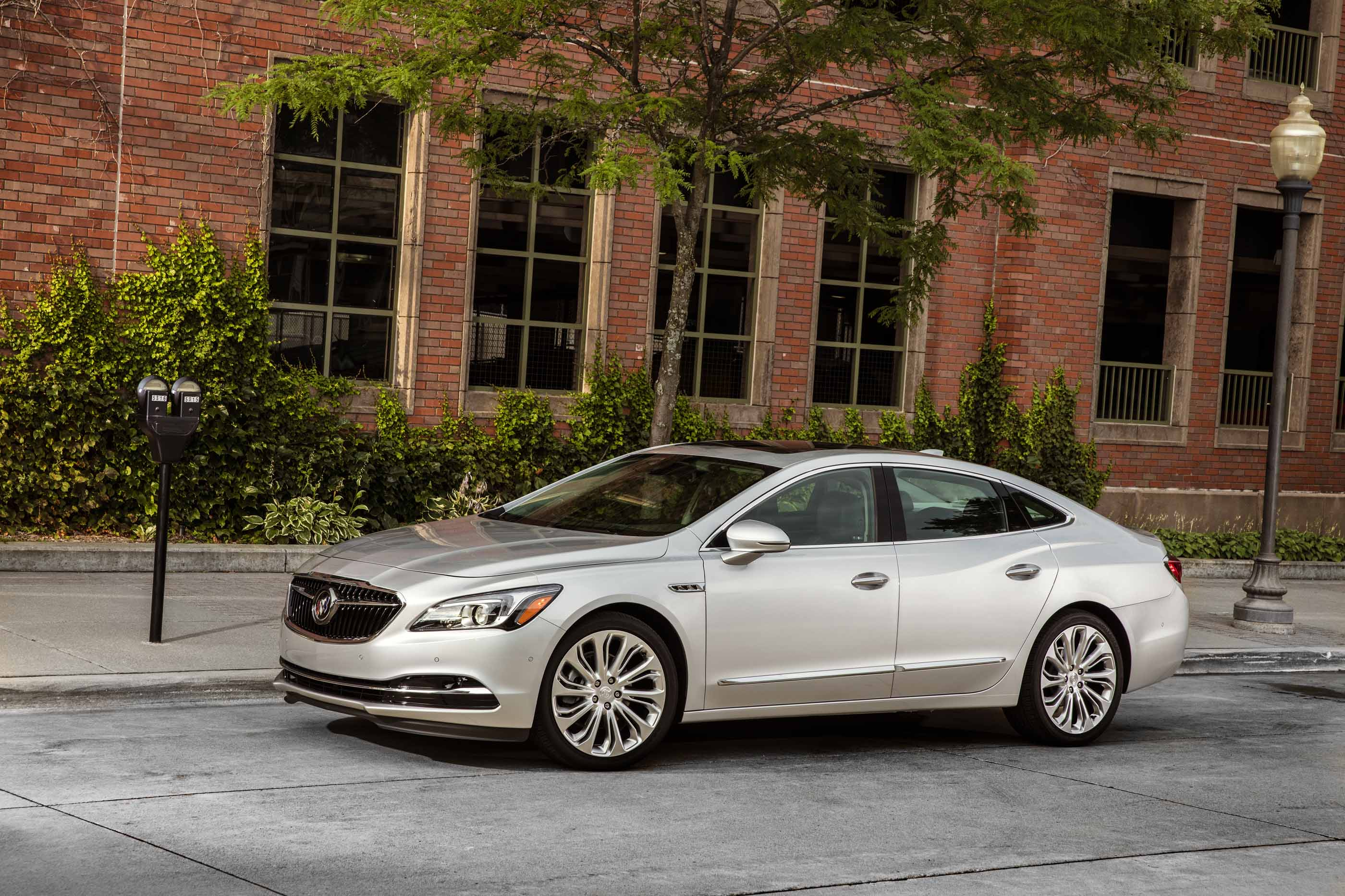 automotive review buick lacrosse