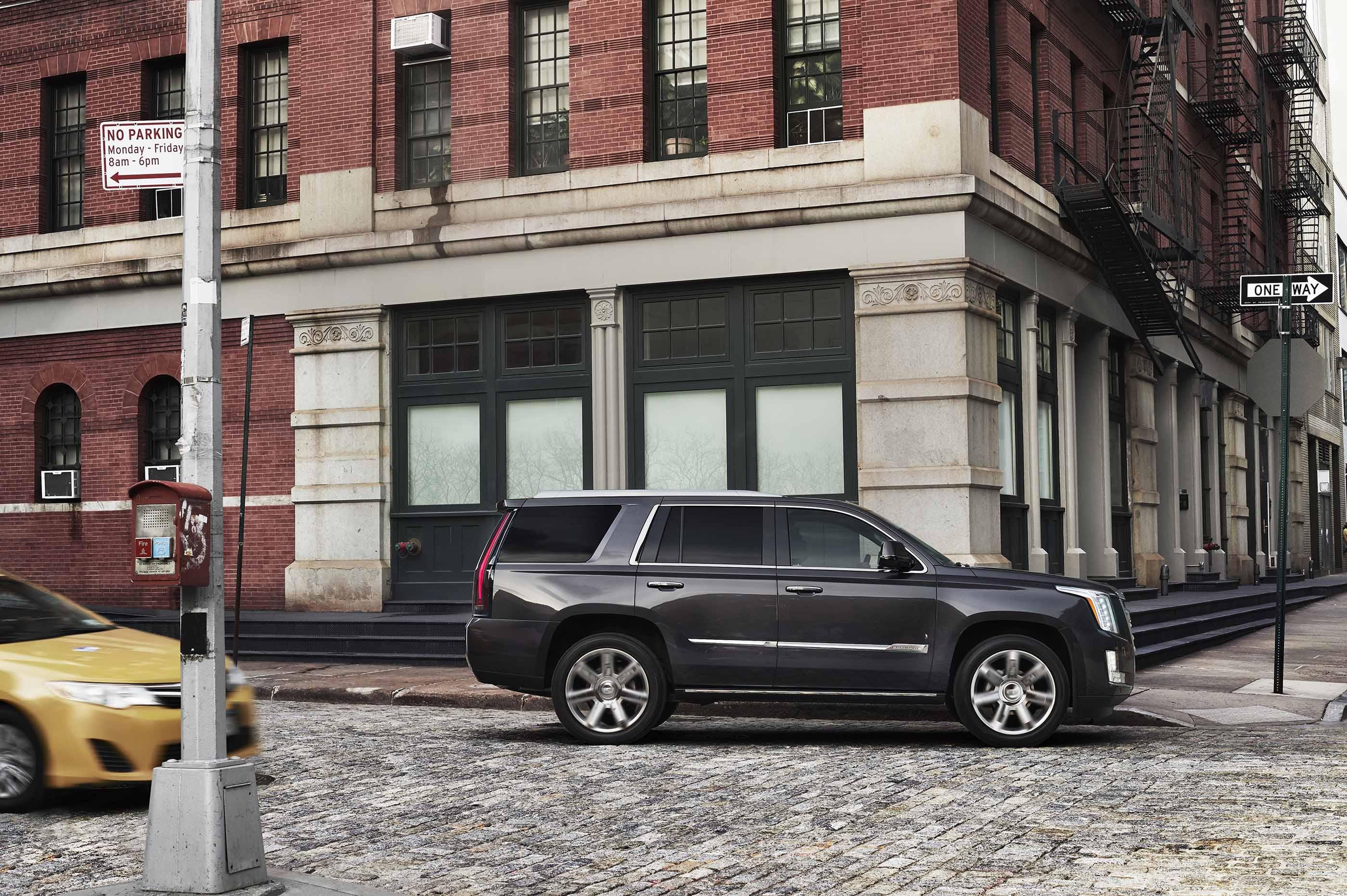 Cadillac Evening News >> Cadillac Escalade News Breaking News Photos Videos