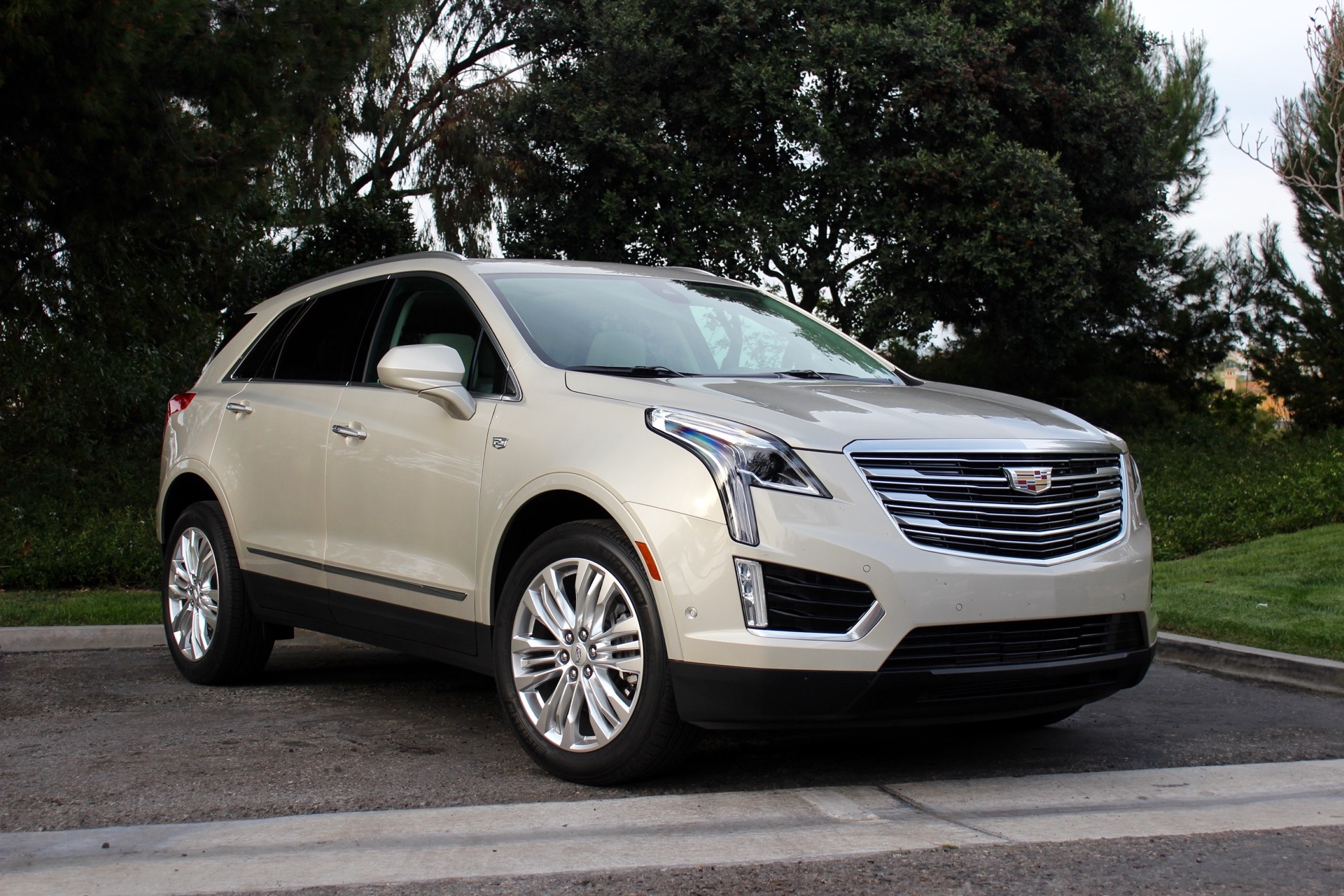 Cadillac Three Row Crossover Coming With Stretched Version