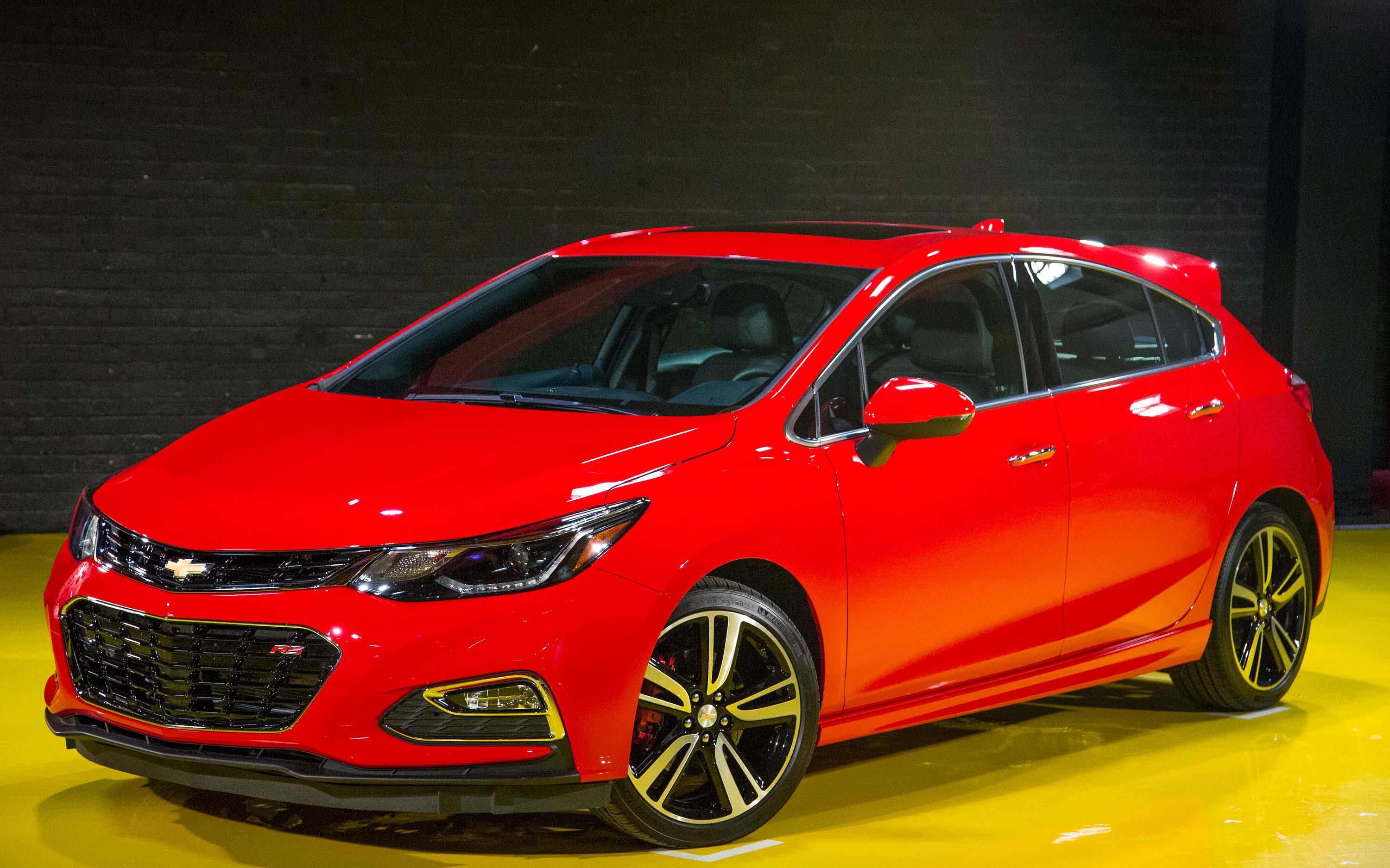 Chevy Says Sel Cruze Rs Coming