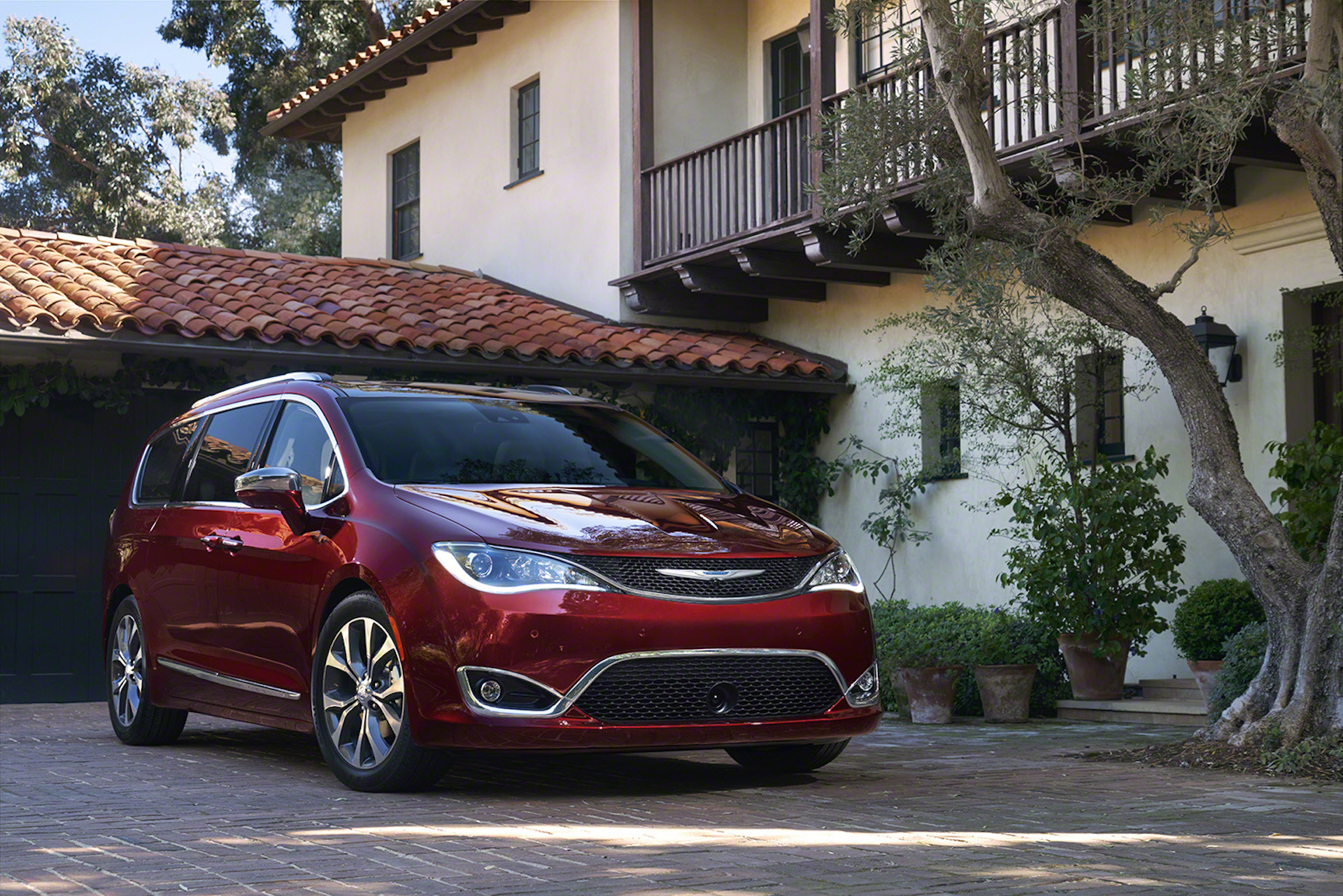 2017 Chrysler Pacifica Town Country Replacement Revealed With Hybrid