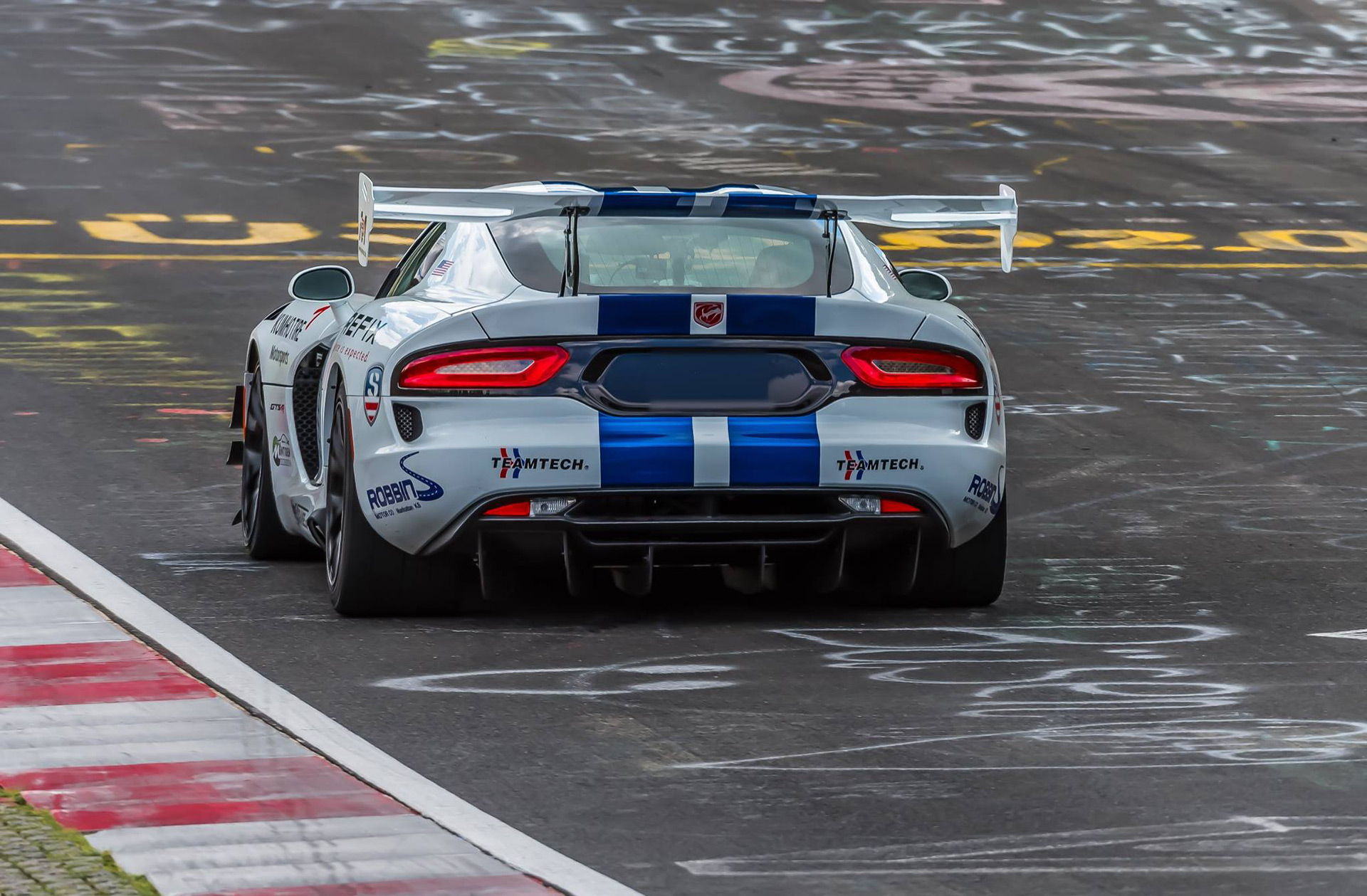 Nurburgring Lap Record >> The Dodge Viper ACR just ran the 'Ring in an unofficial 7 ...