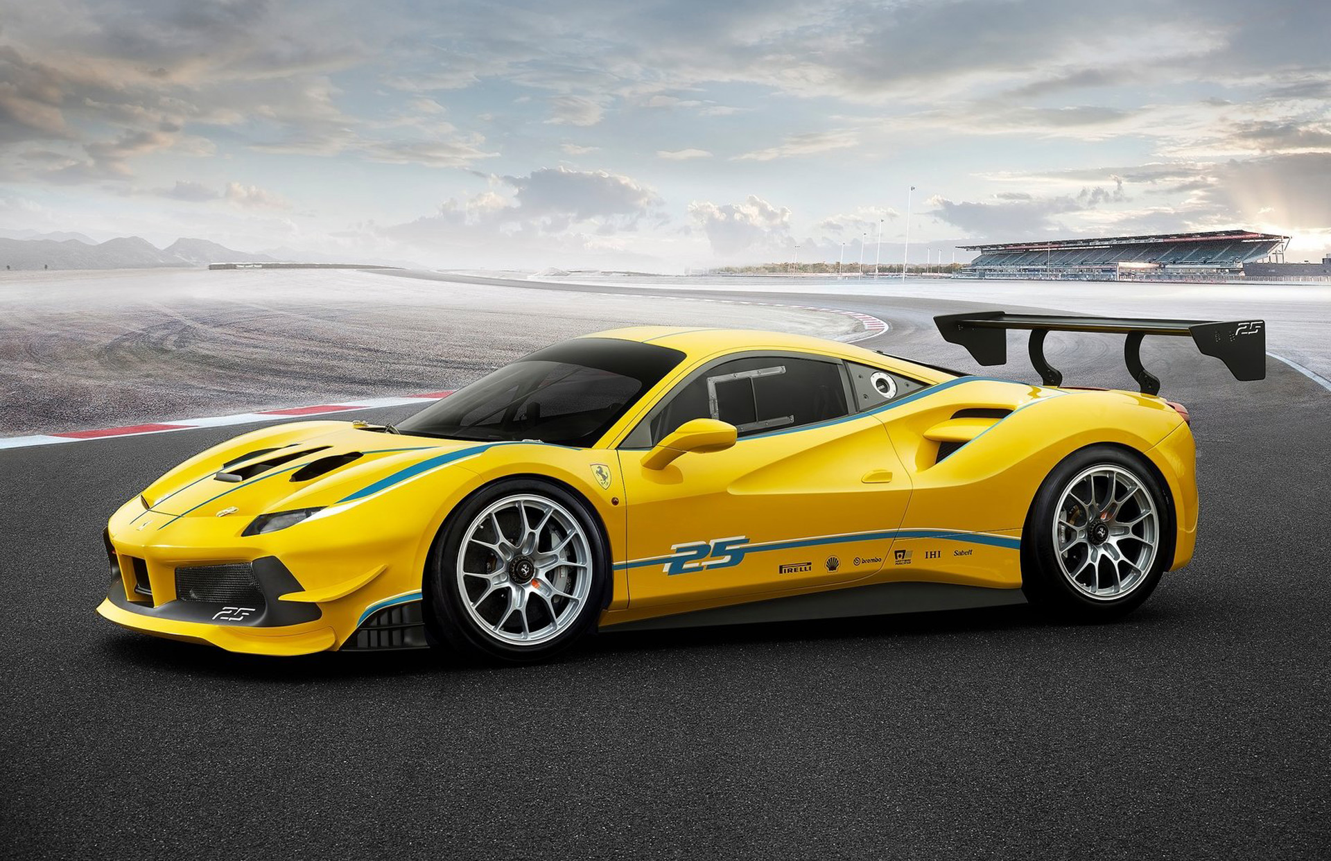 Ferrari Challenge Race Car Revealed