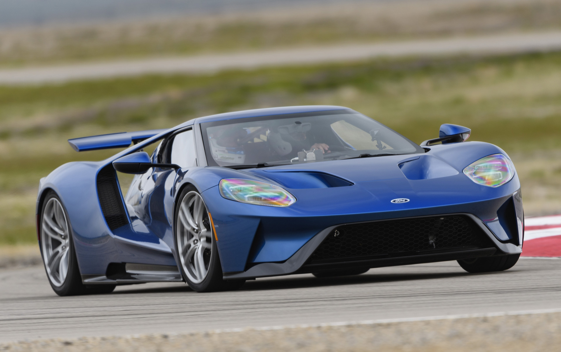 2017 ford gt first drive review ready for supercar liftoff. Black Bedroom Furniture Sets. Home Design Ideas
