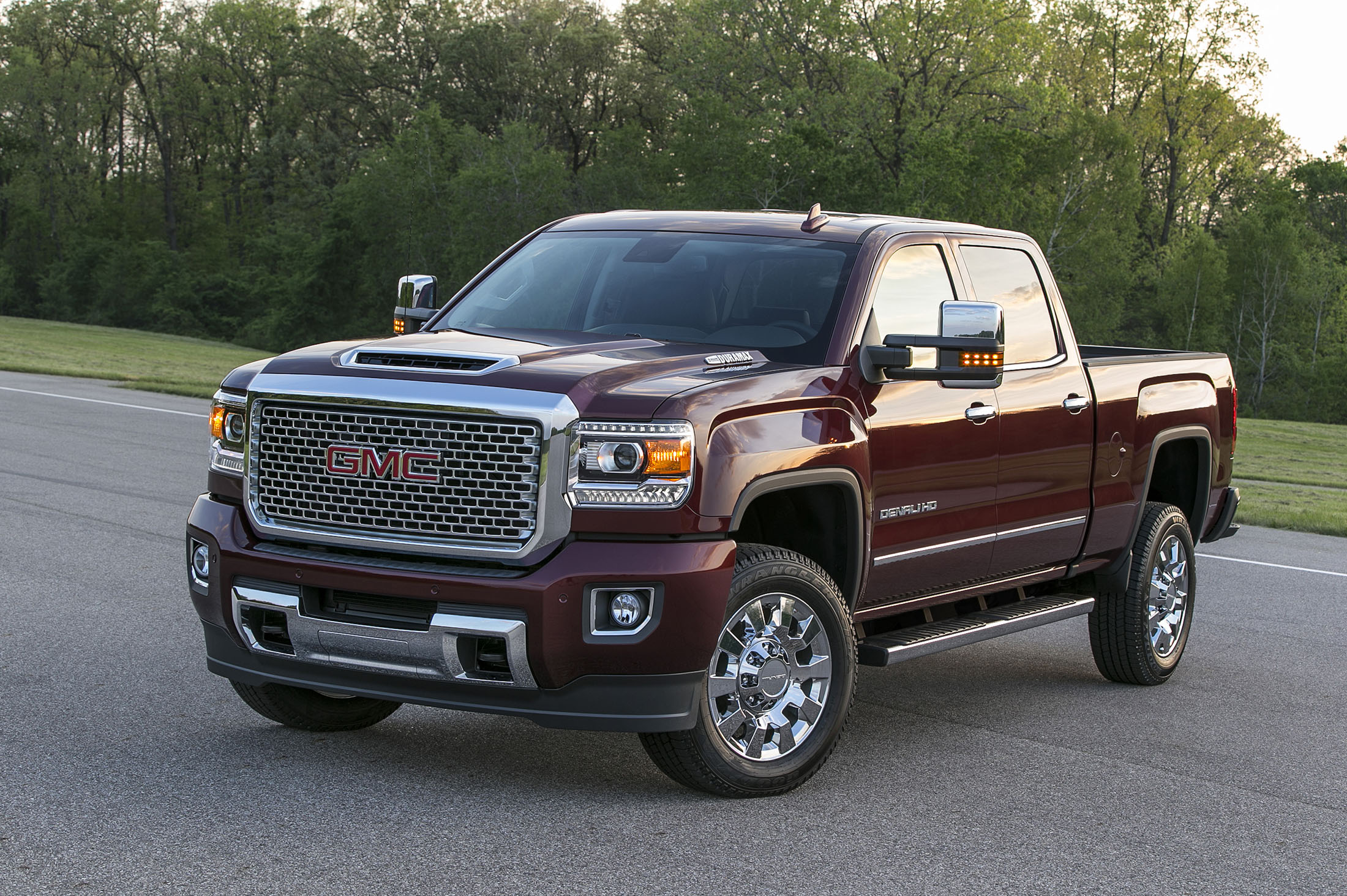 2017 gmc sierra denali 2500hd_100555190_h gm adds b20 biodiesel capability to chevy, gmc diesel trucks, cars  at money-cpm.com